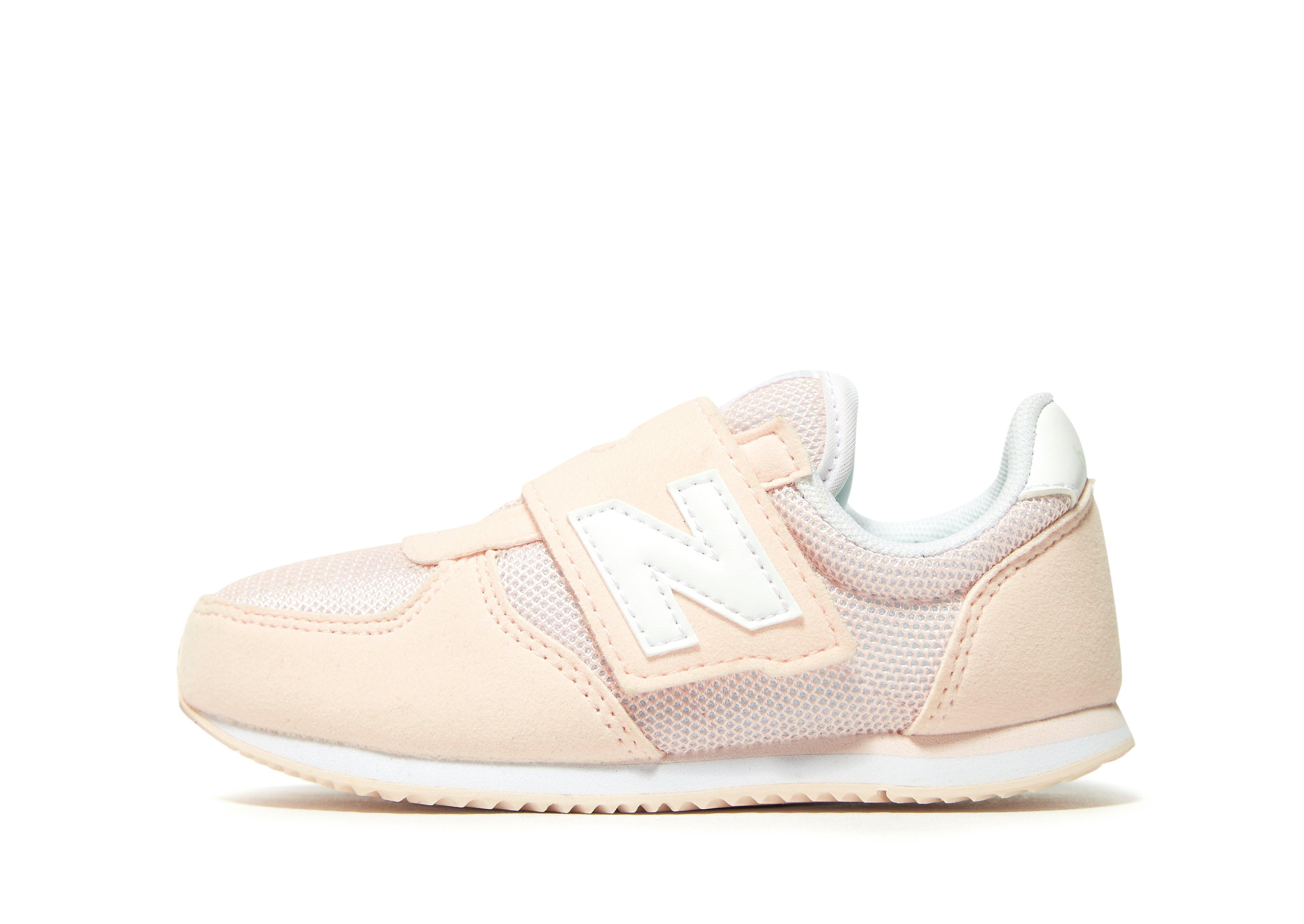 New Balance 220 para bebé