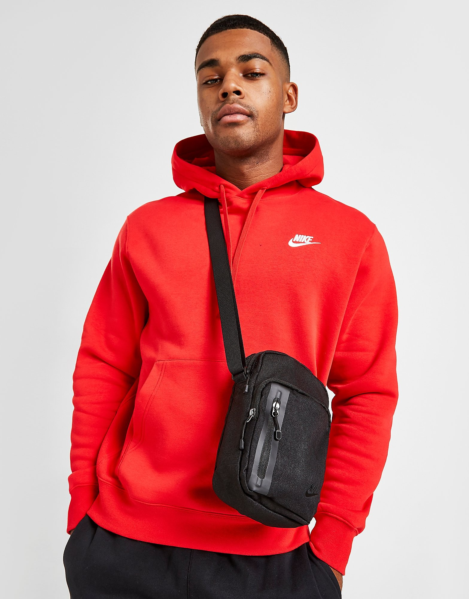 Nike Core Small Items-tas
