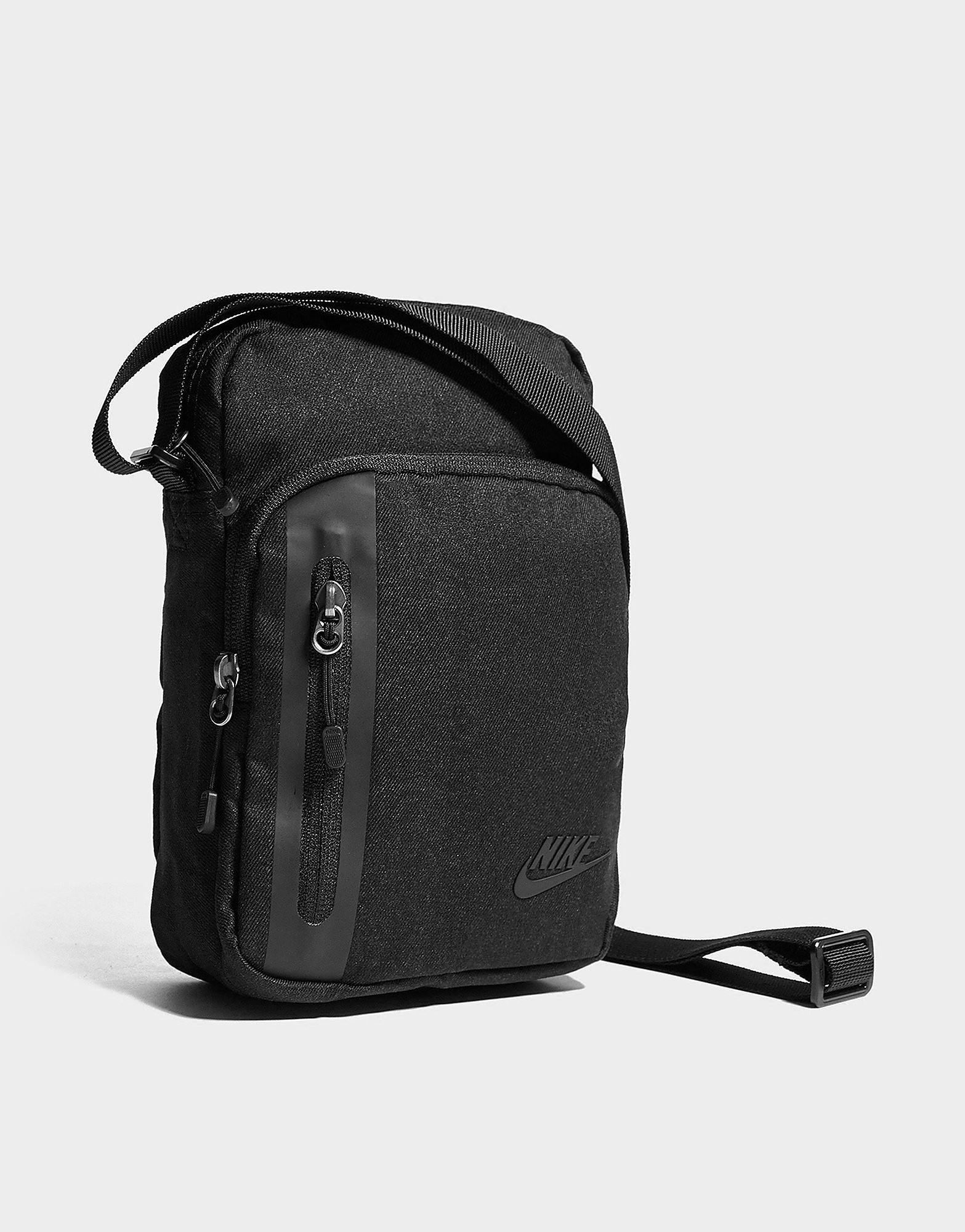 Nike Core Small Crossbody-tas