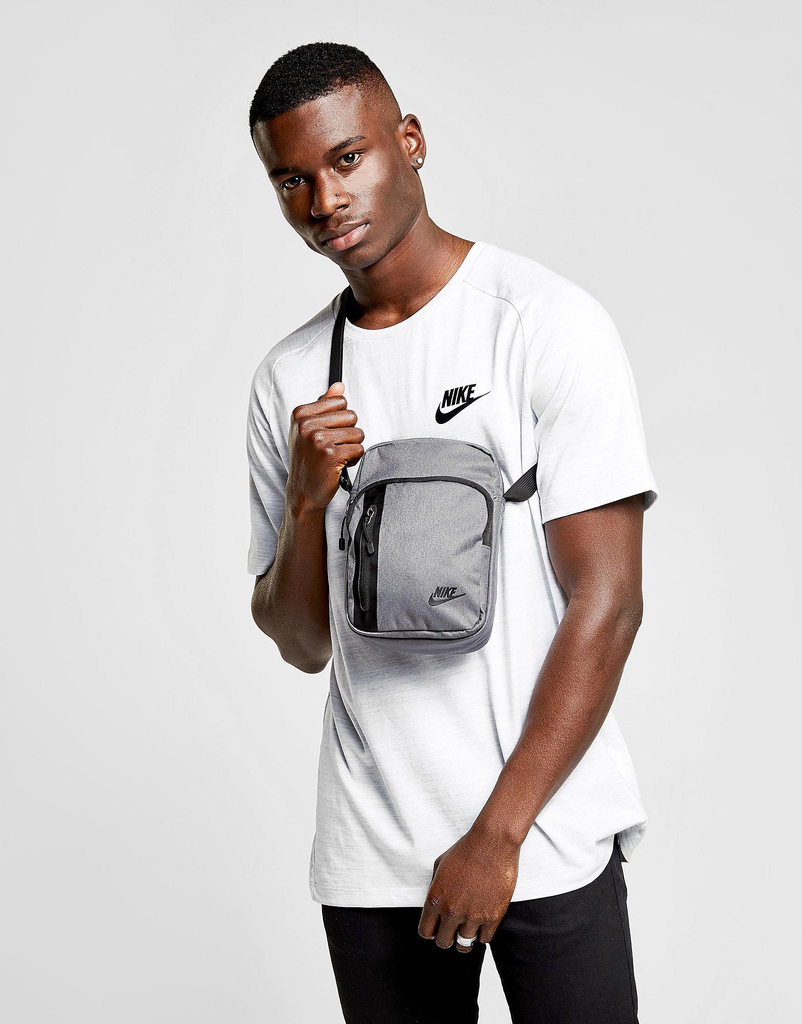 Nike Sac Core Small Items