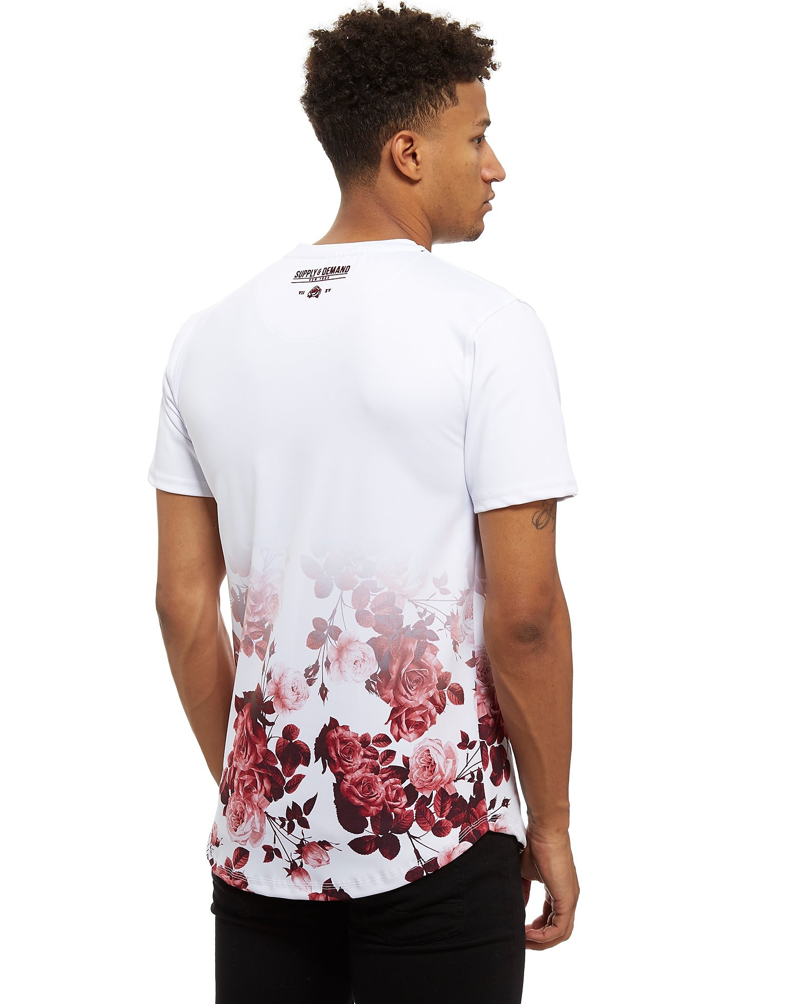 Supply & Demand Schnee Gothisches T-Shirt