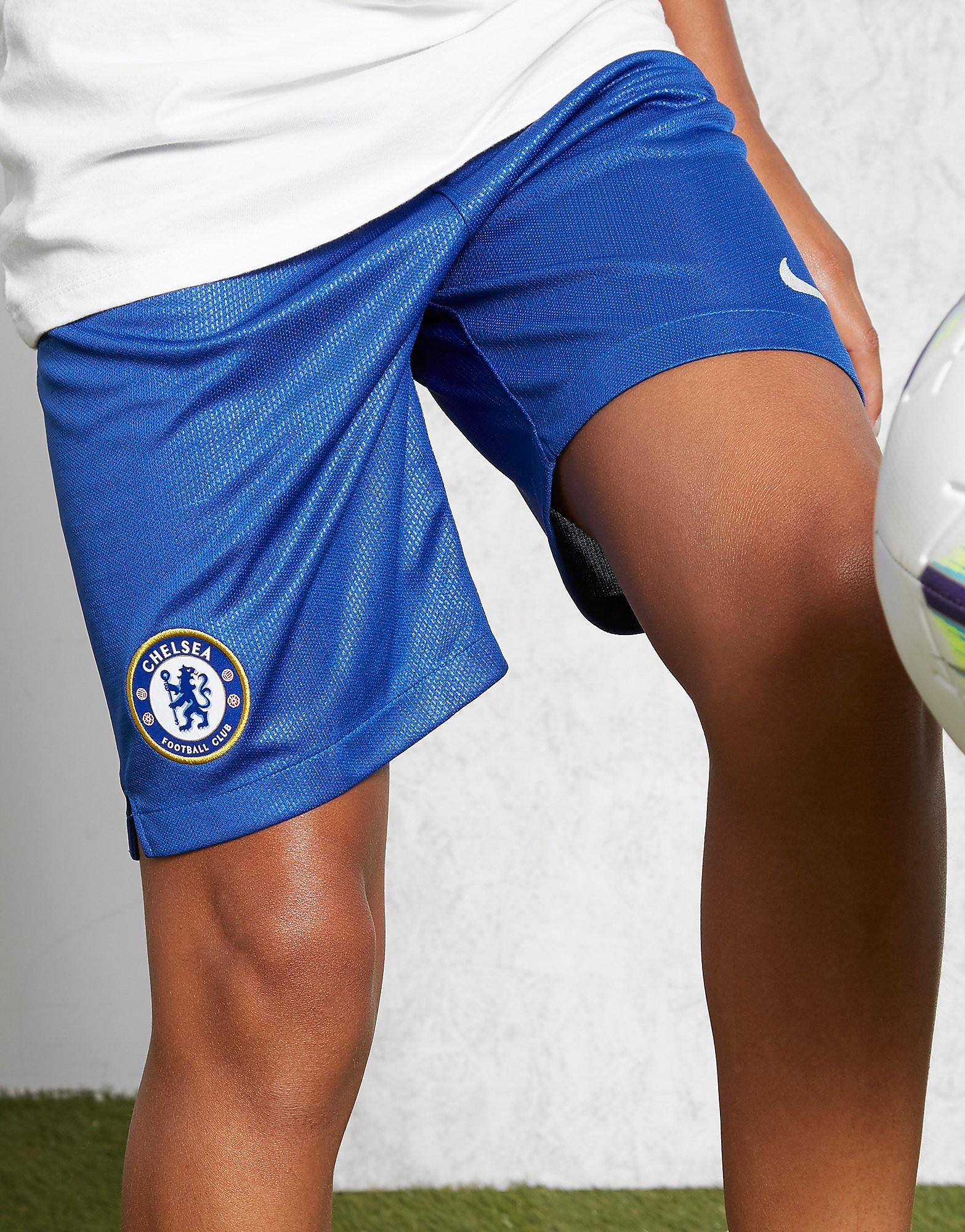 Nike Chelsea FC 2018/19 Home Shorts Junior PRE ORDER