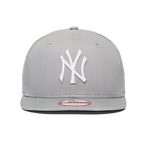 ccbfd3fcdb077 New Era MLB New York Yankees 9FIFTY Snapback Cap ...