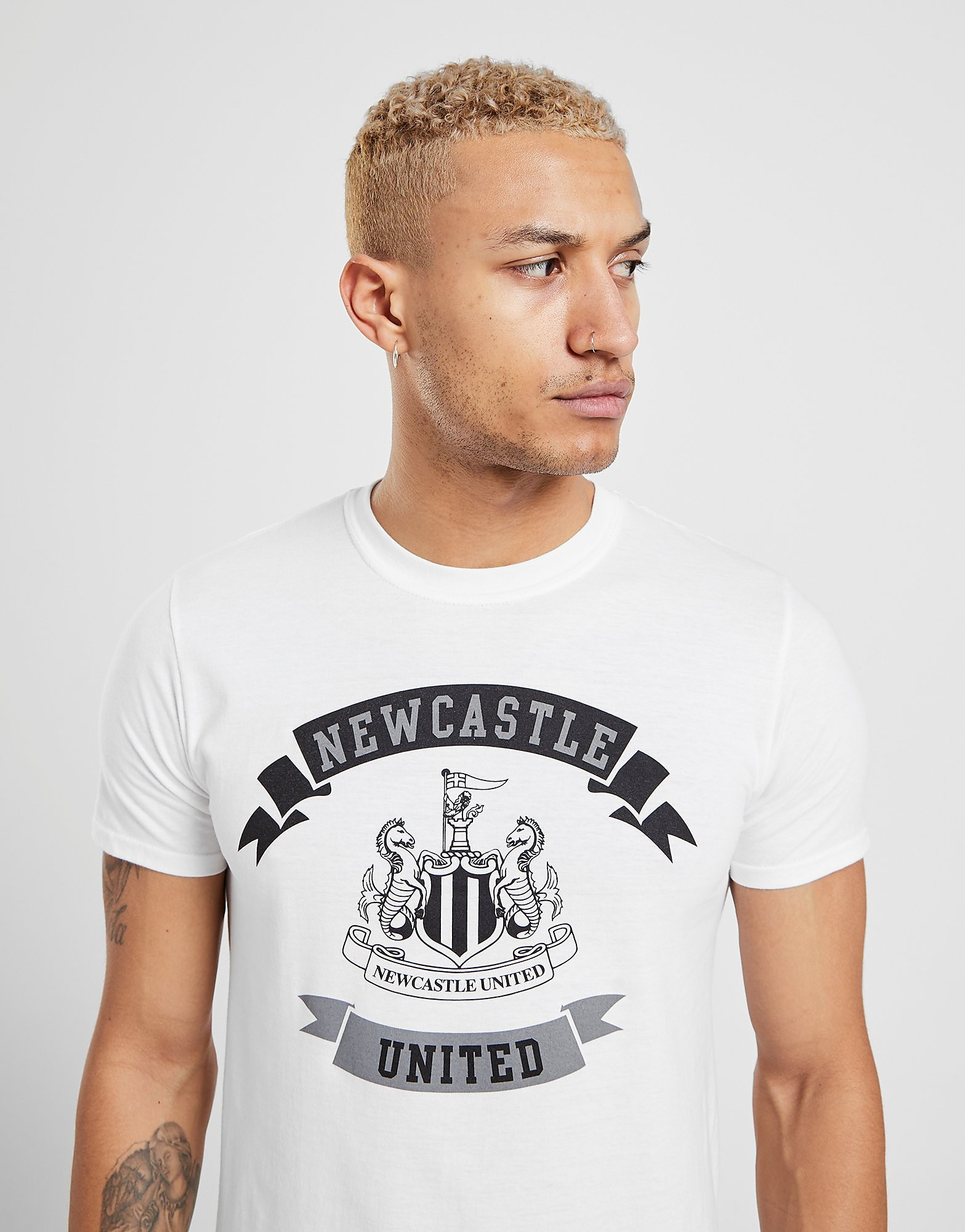 Official Team Newcastle United Scroll-T-shirt - Wit - Heren