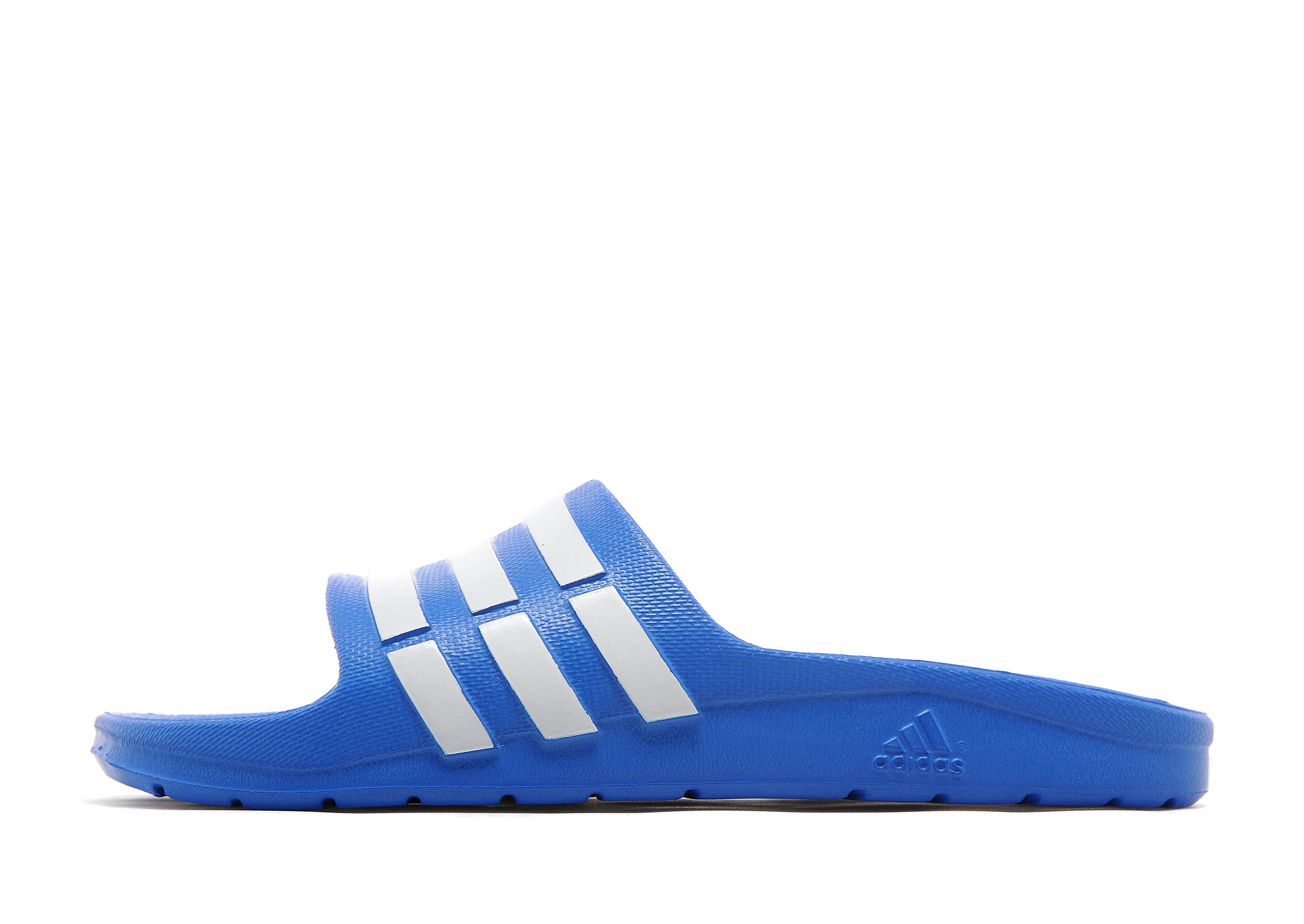 adidas Duramo-slipper voor tieners