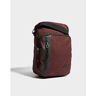 b0834aa23b Nike Core Small Crossbody Bag