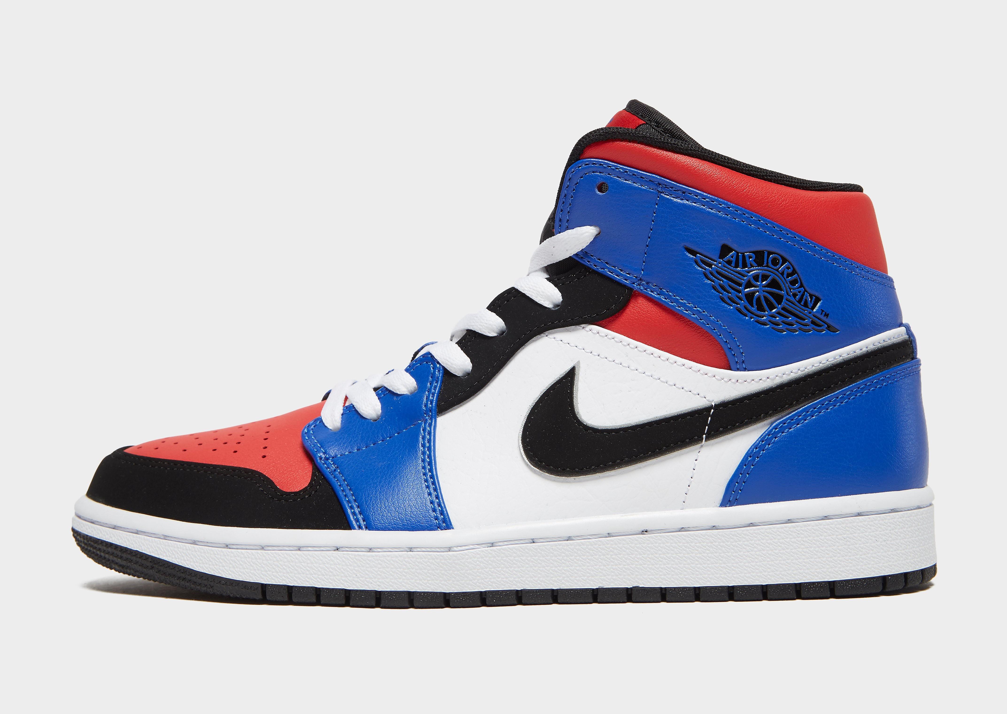 Jordan herensneaker rood, zwart en blauw