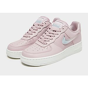 premium selection 456b1 6b2a3 ... Nike Air Force 1 SE Women s