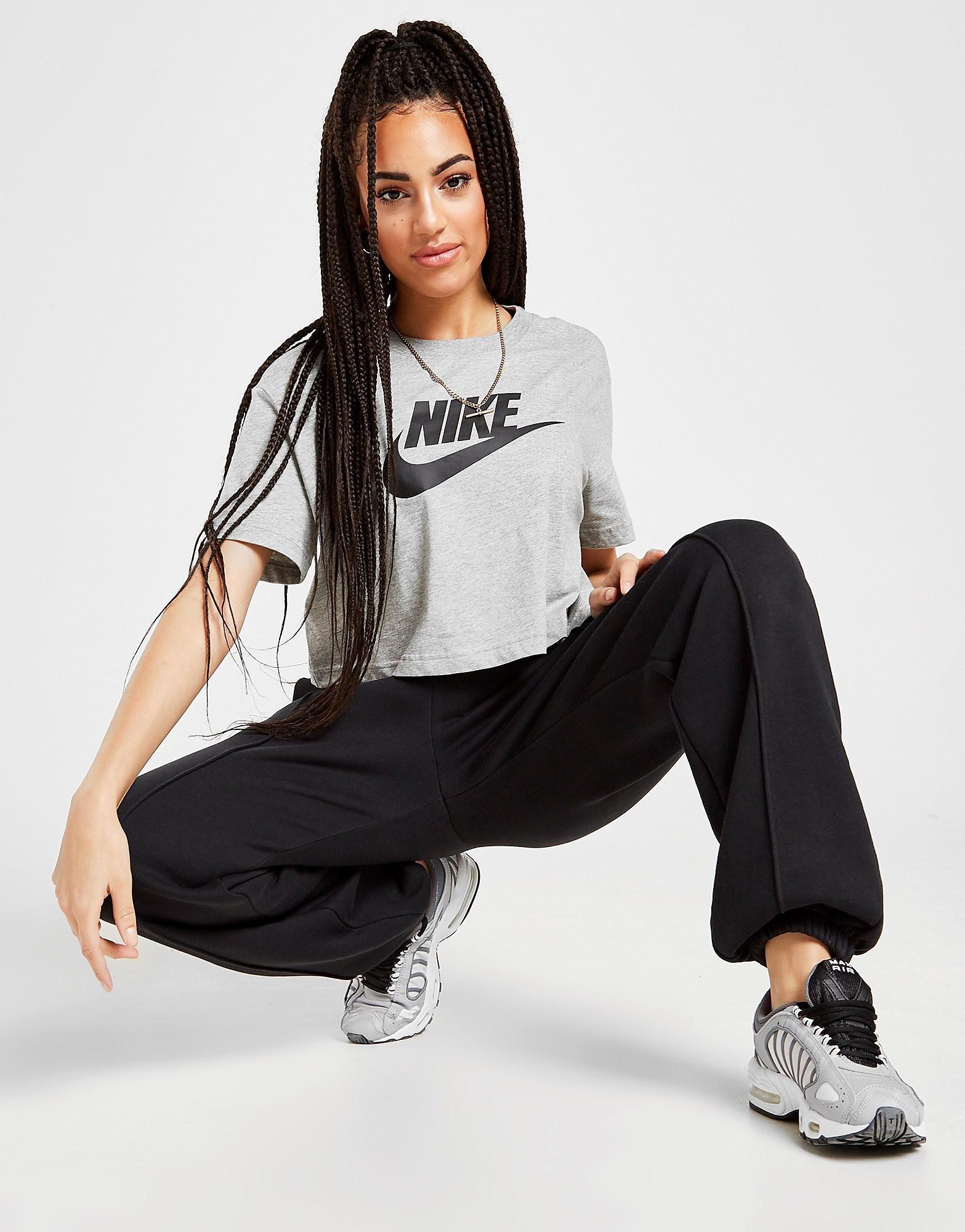 Nike Essential Futura Crop T-Shirt Grijs Dames
