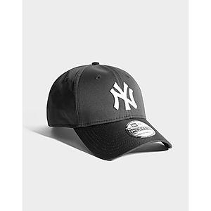 ... New Era MLB New York Yankees 9FORTY Cap 672480e5150