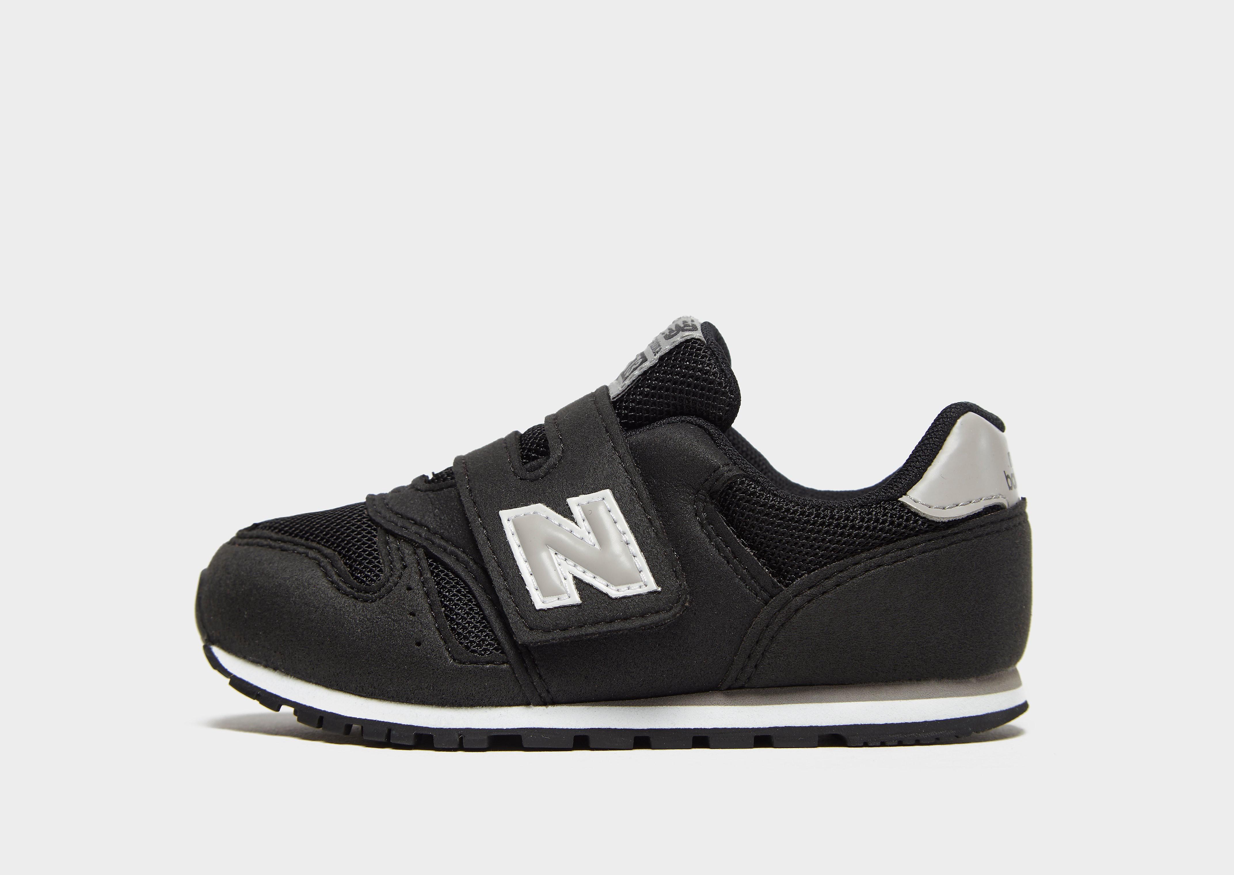 New Balance 373 kindersneaker zwart en grijs
