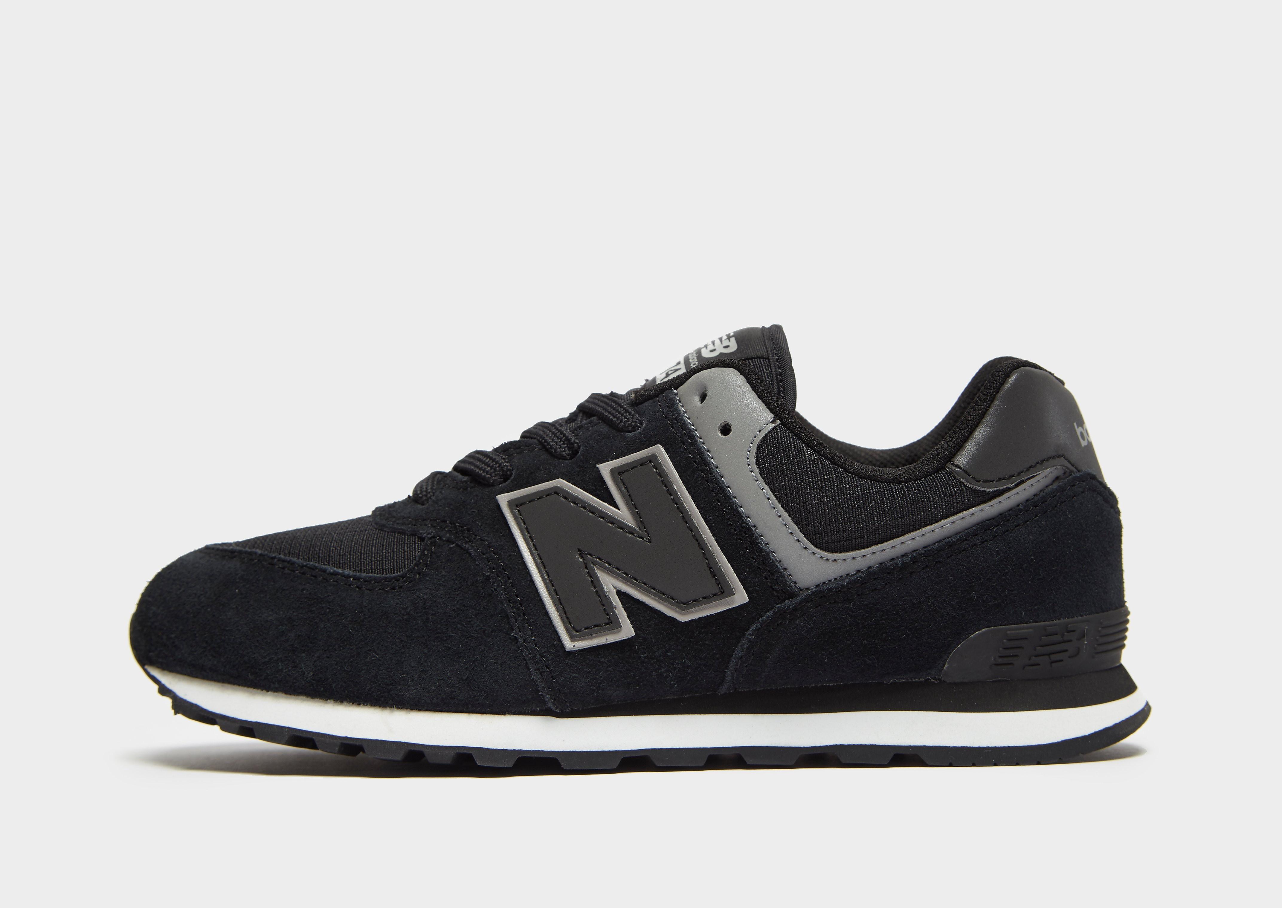 New Balance 574 kindersneaker zwart en grijs