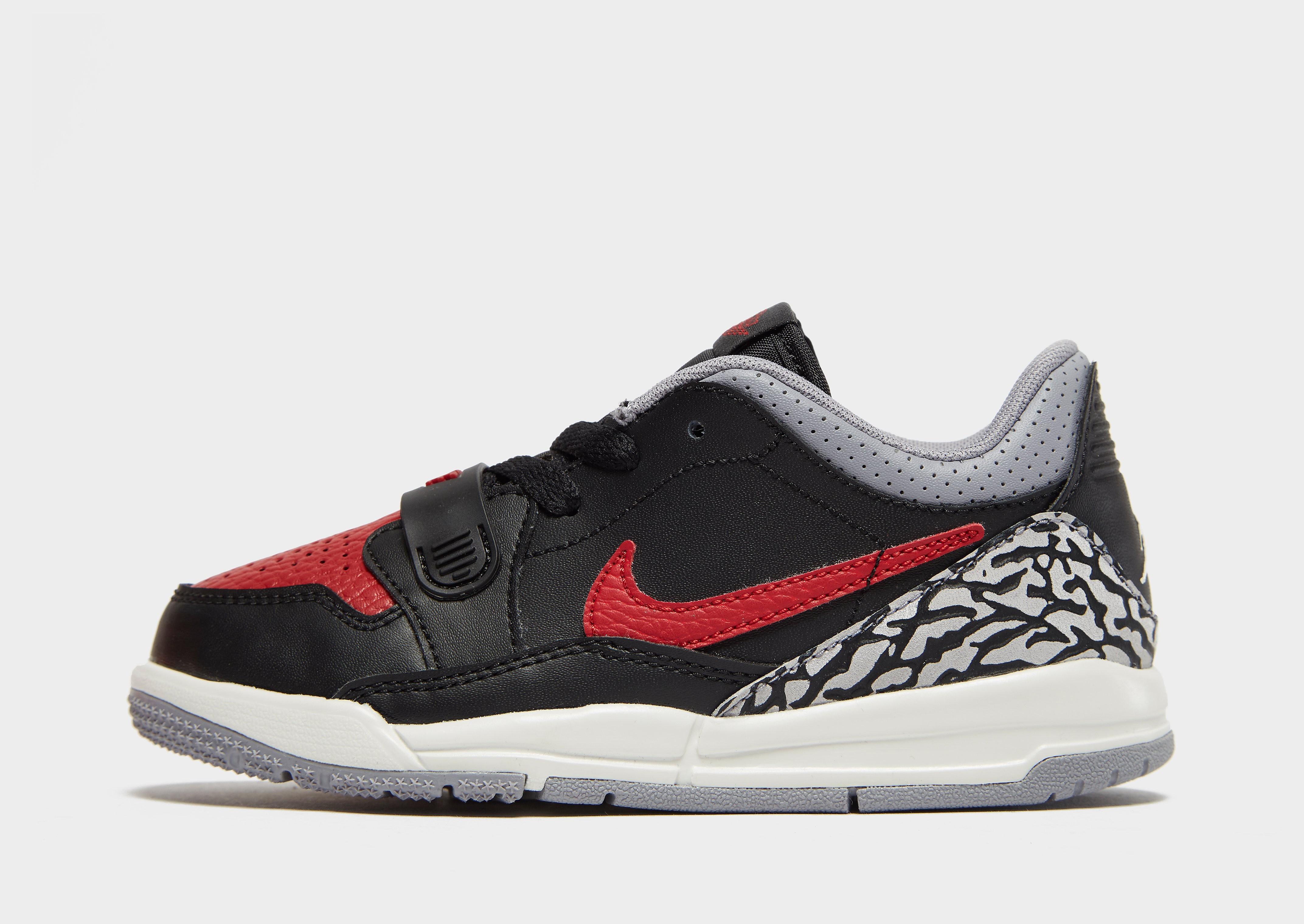 Jordan kindersneaker zwart, print en rood
