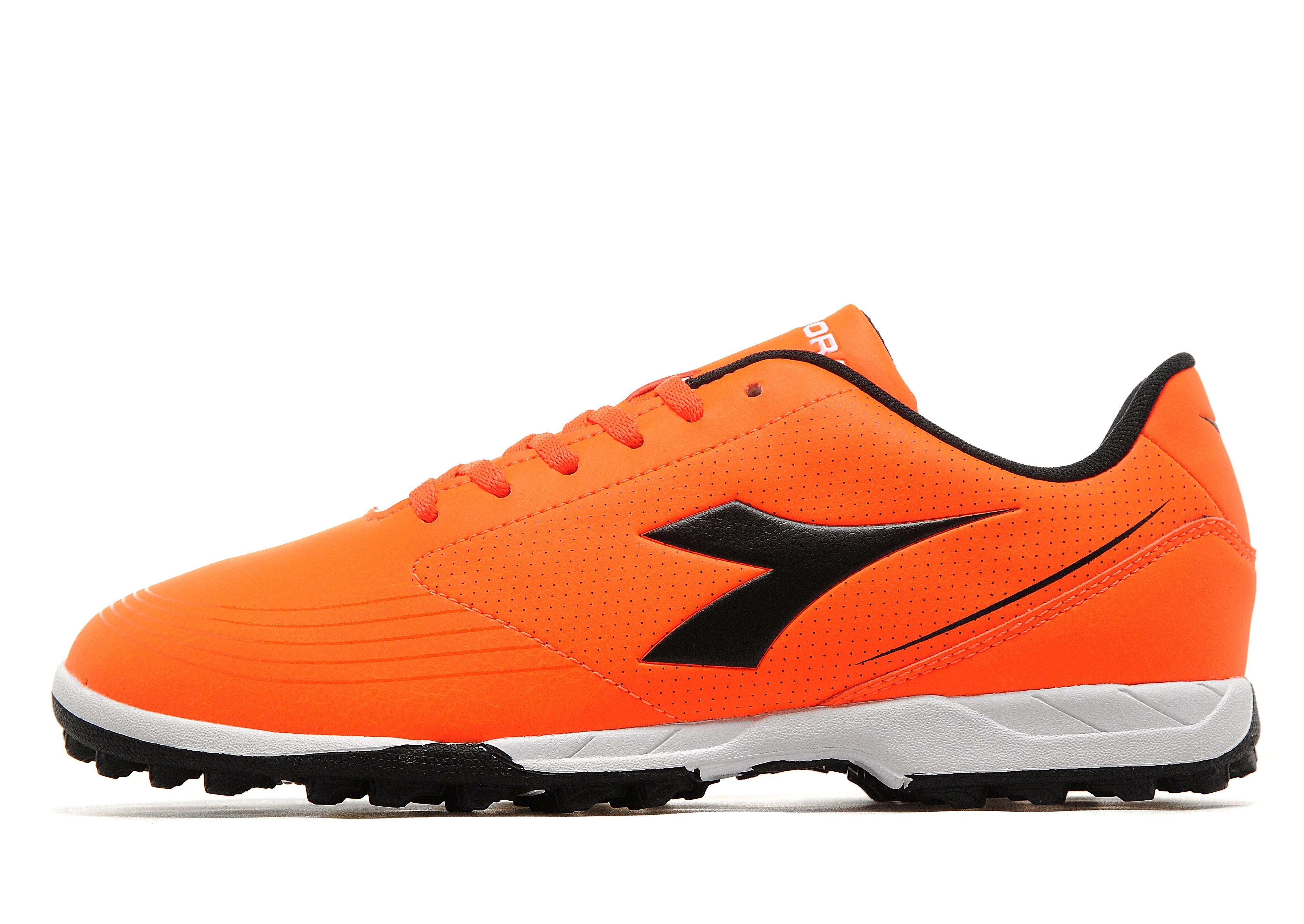 Diadora 750 Turf Football Boots