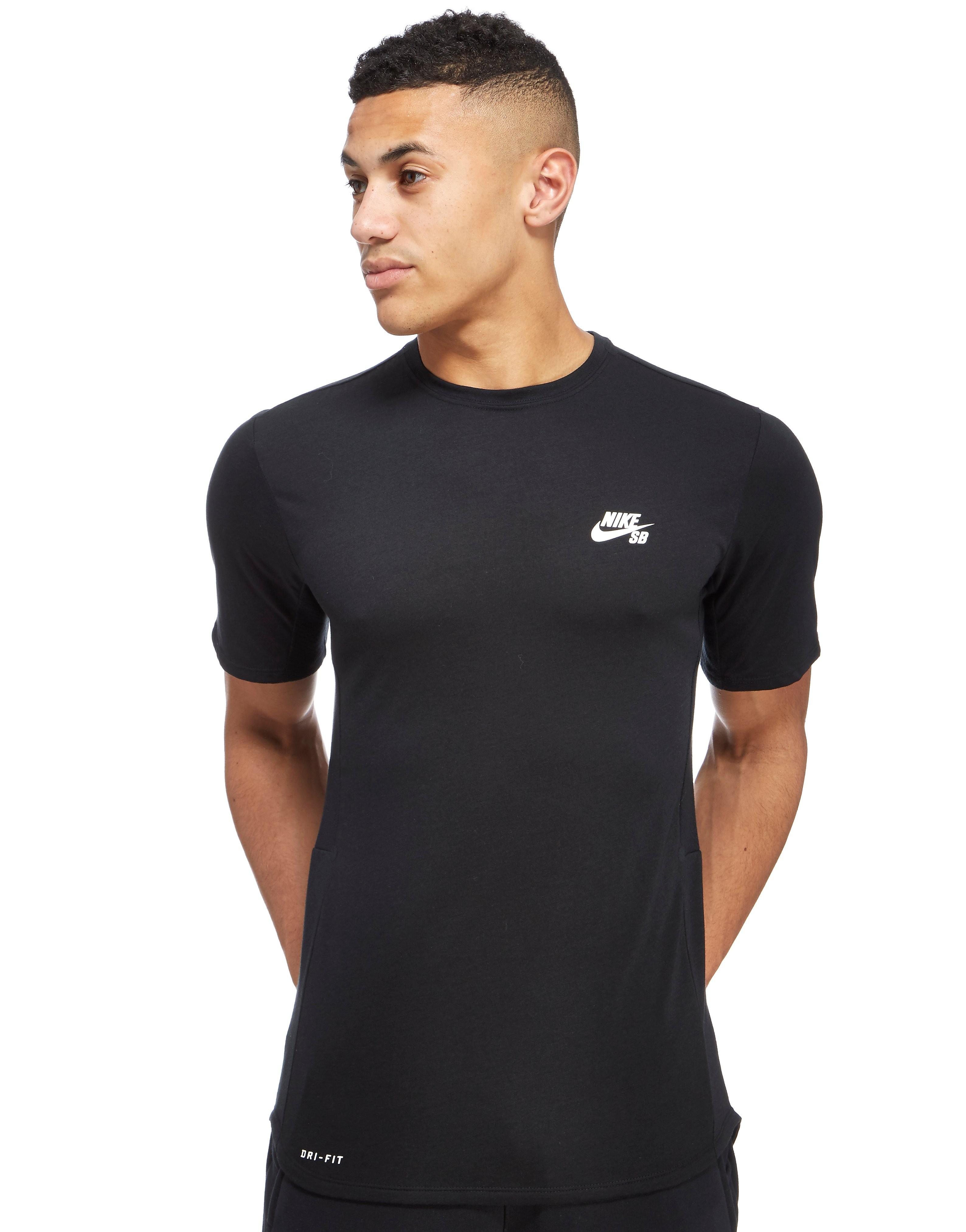 Nike SB Skyline GFX T-Shirt