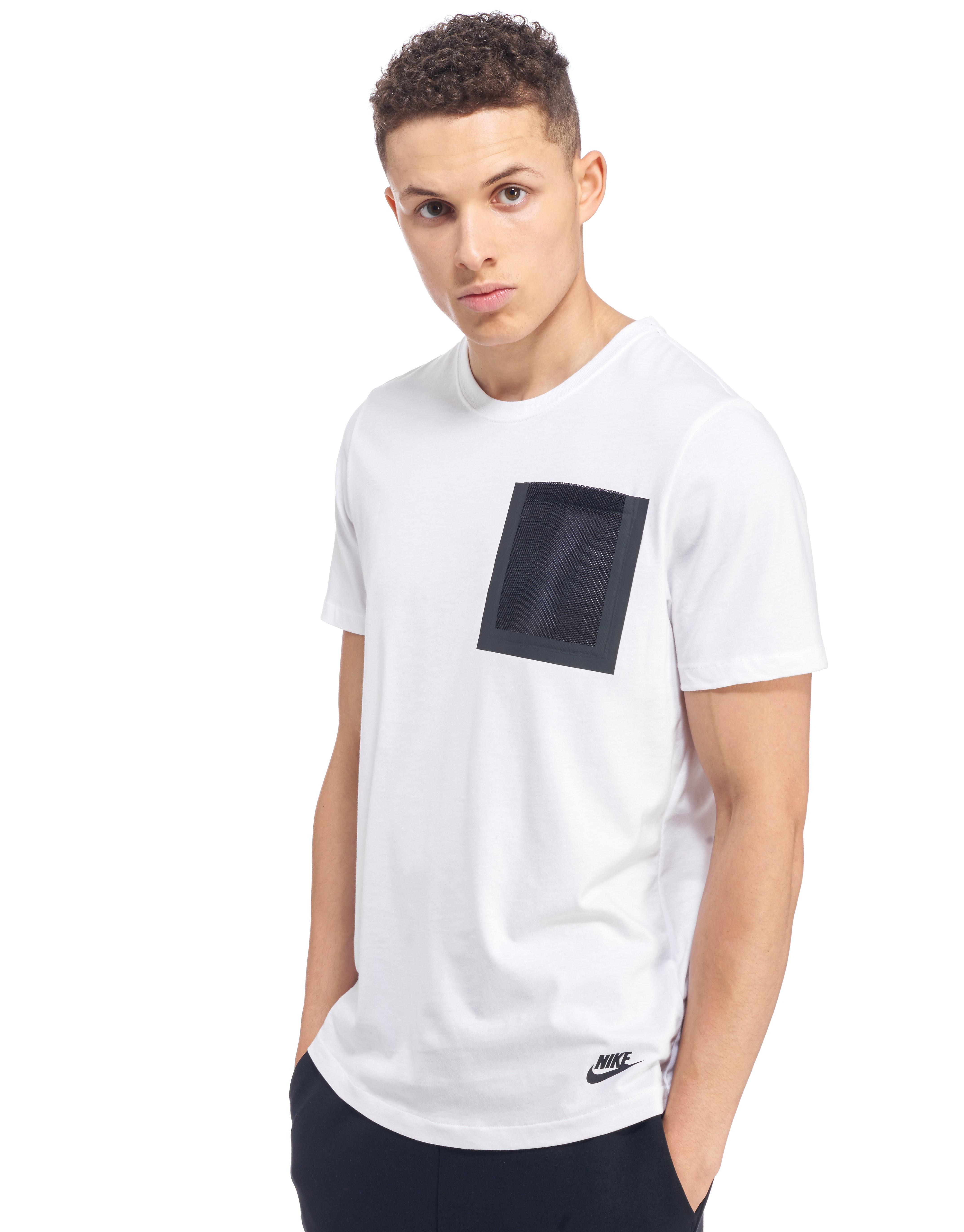 Nike T-shirt i Tech Hypermesh med lomme