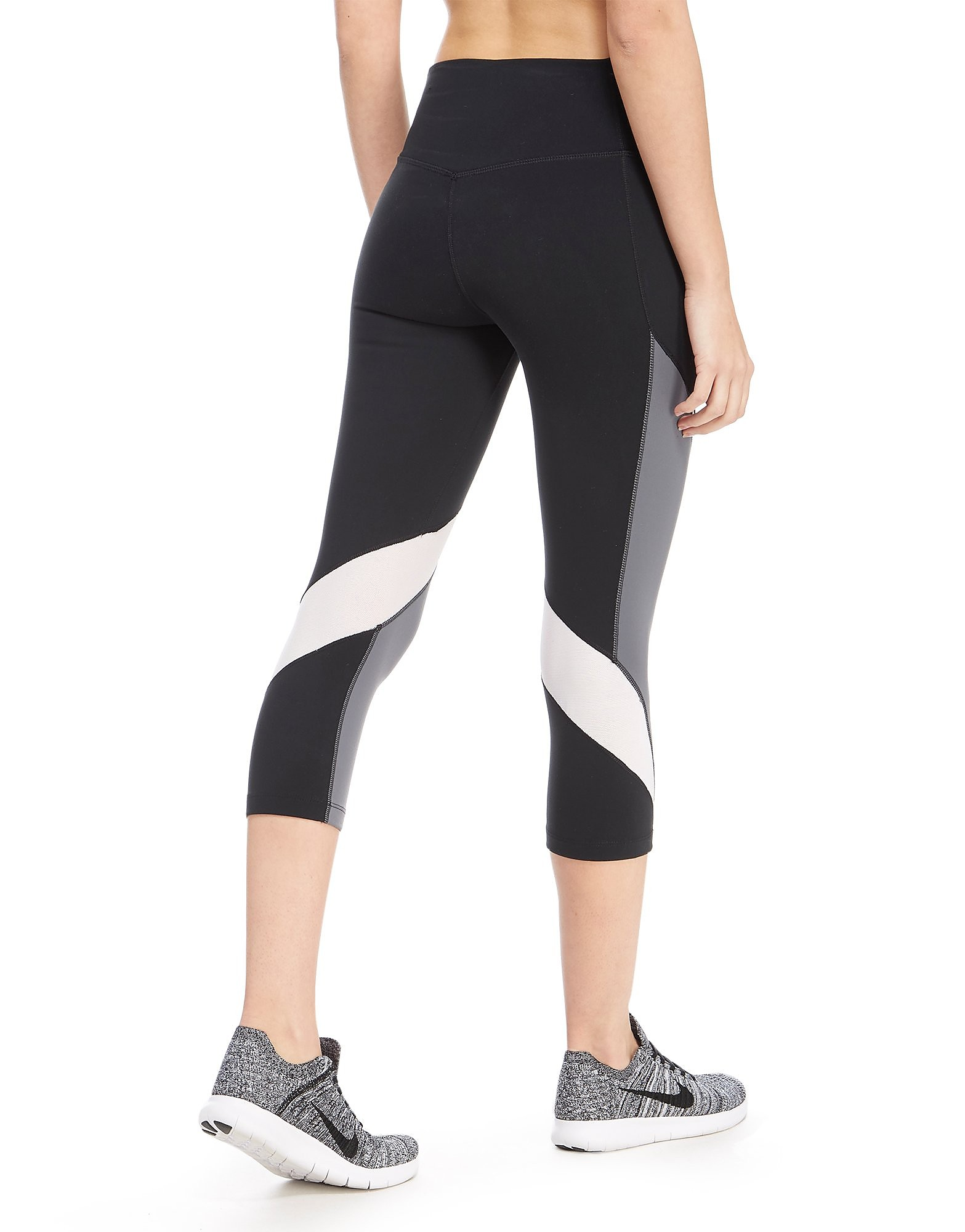 Nike Legendary Fabric Twist Capris