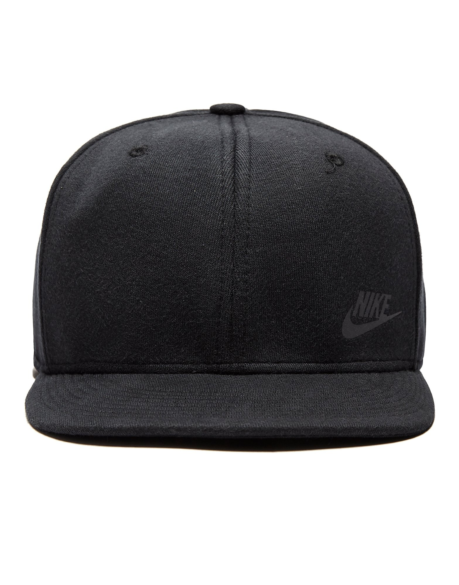 Nike Gorra Tech Fleece