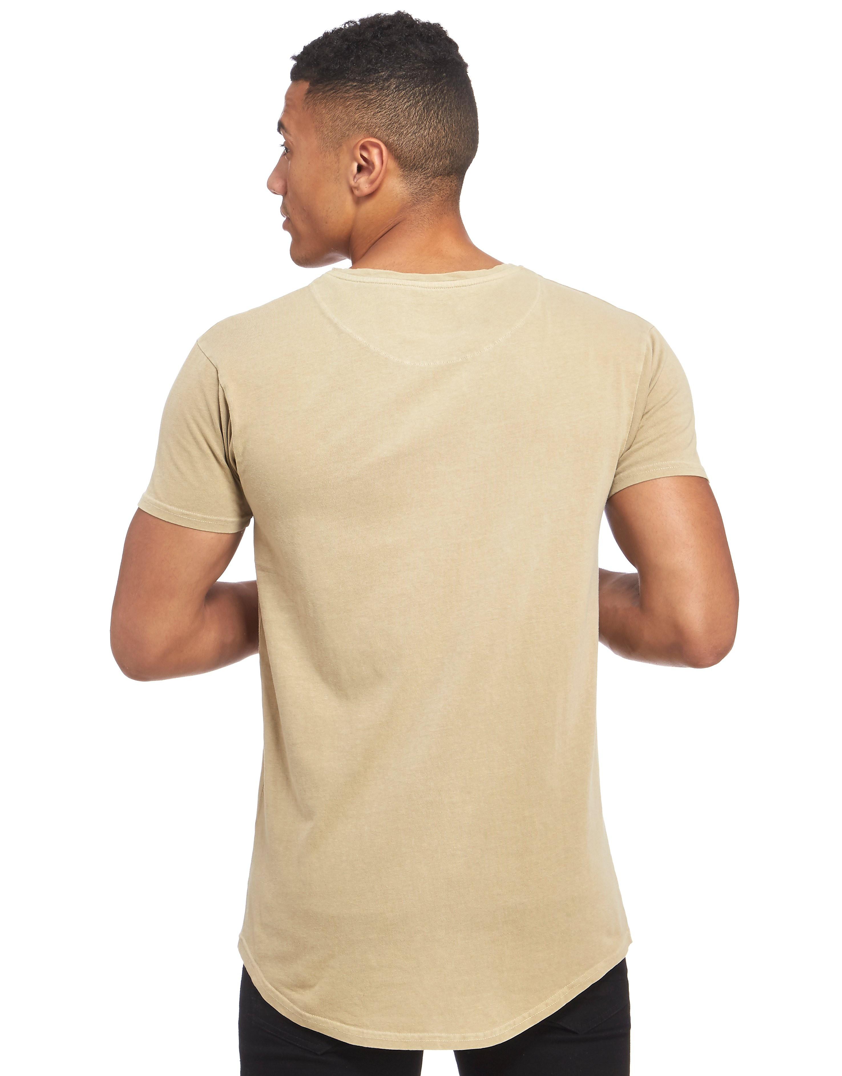 SikSilk Destroyer T-Shirt mit abgerundetem Saum