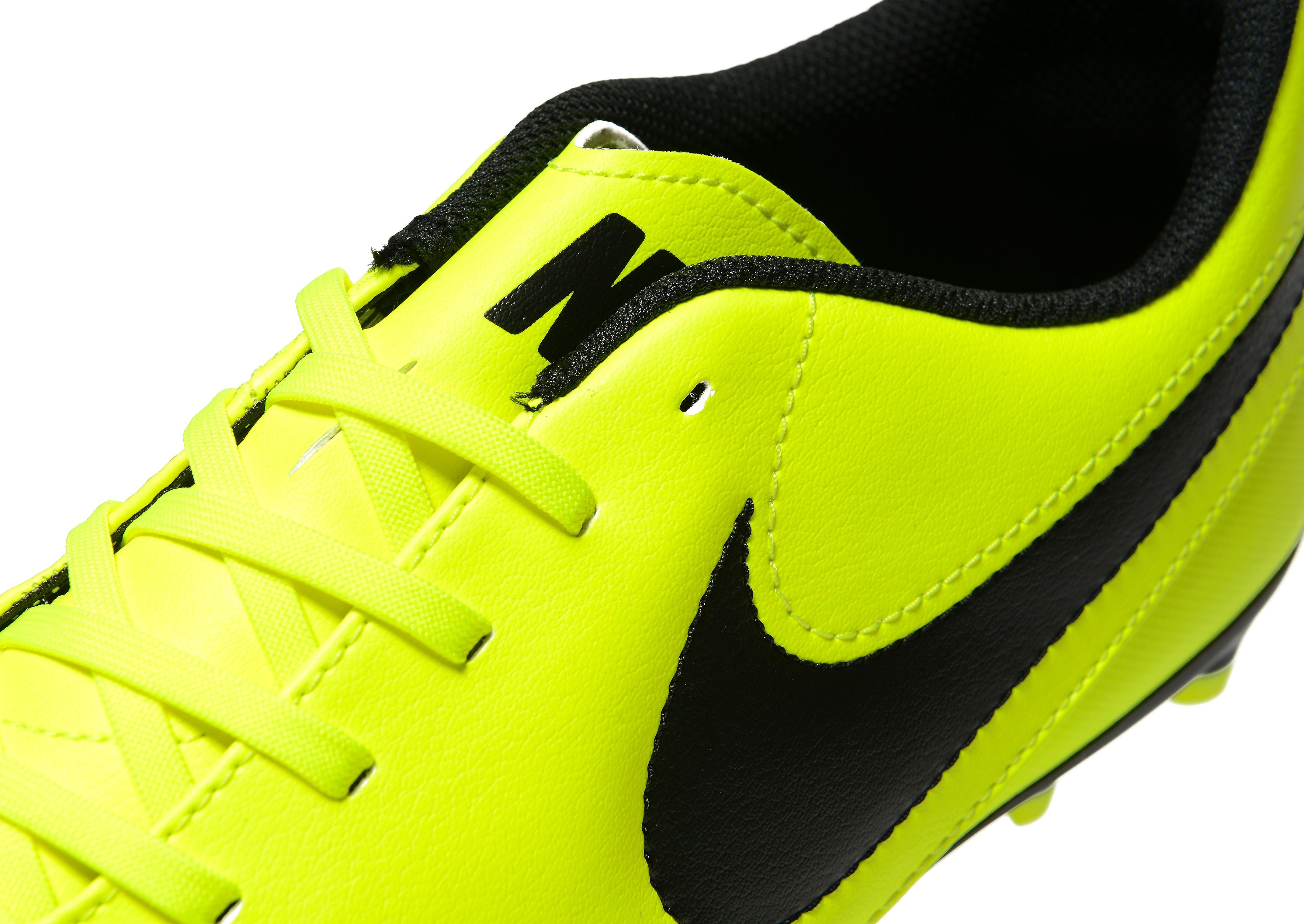 Nike Radiation Flare Tiempo Rio III FG