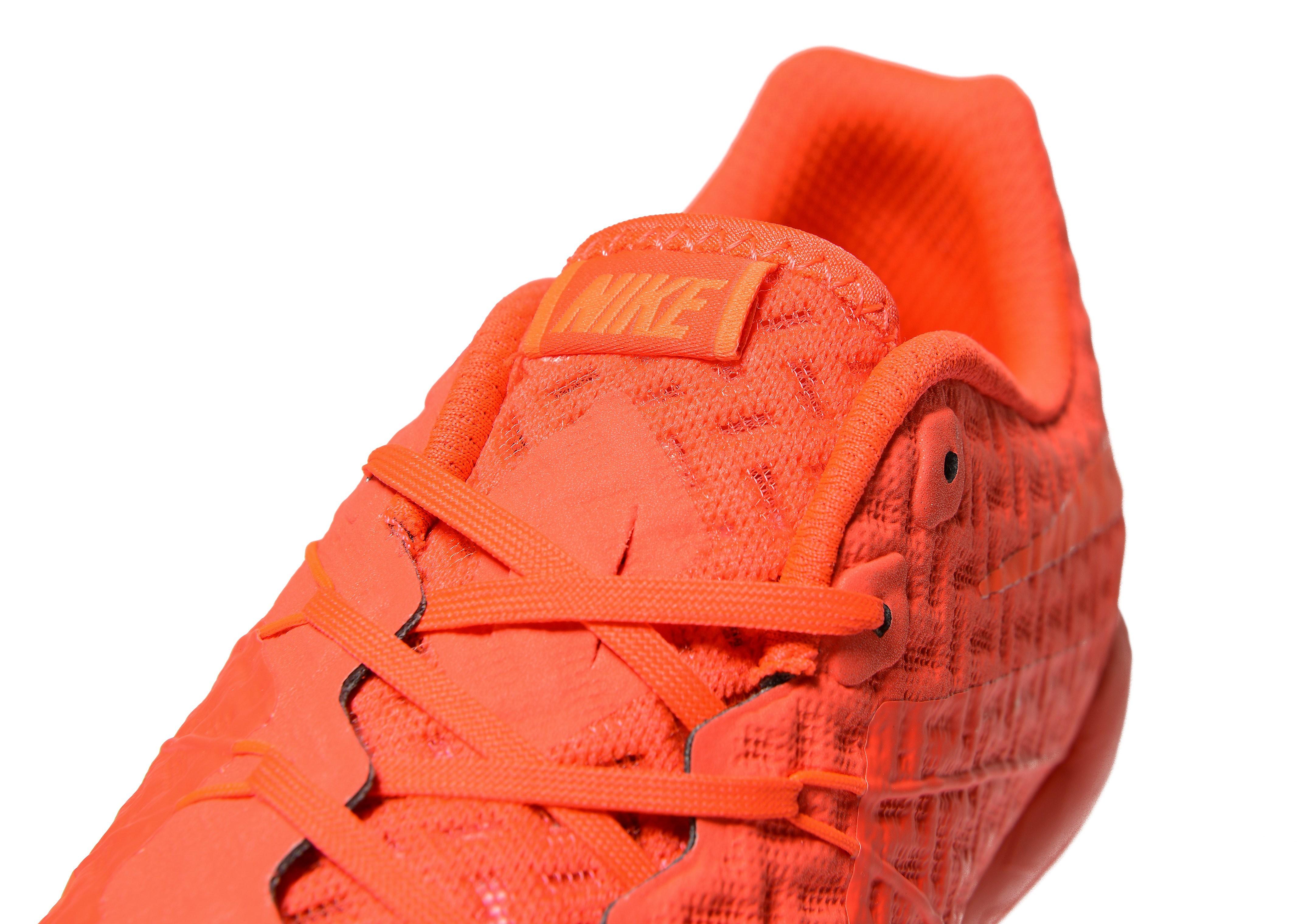 Nike Football X Glow HypervenomX Phelon II Turf