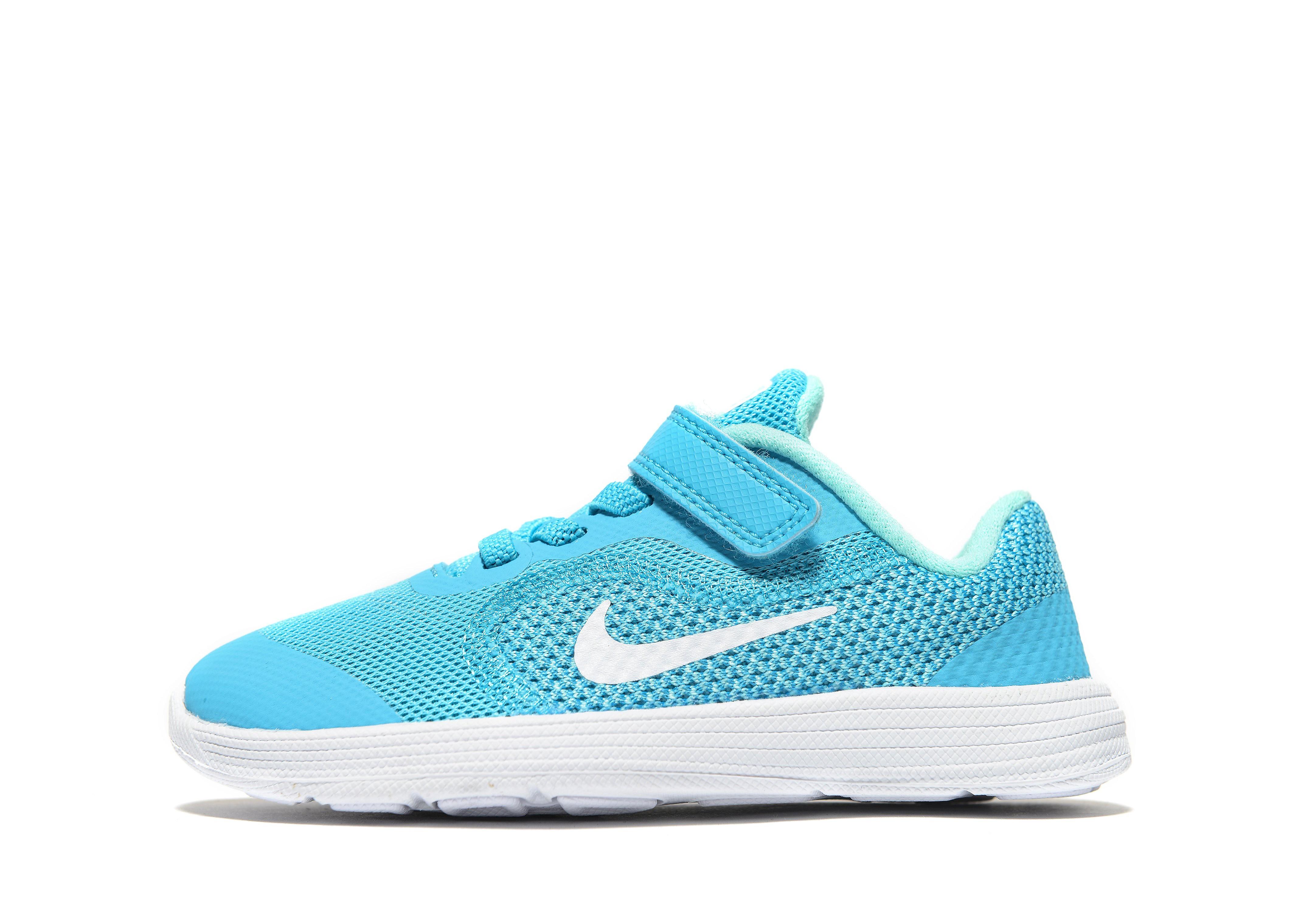 Nike Revolution 3 für Babys