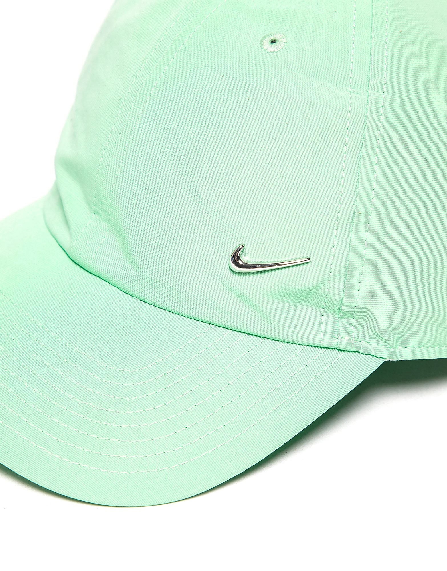 Nike Side Swoosh Keps