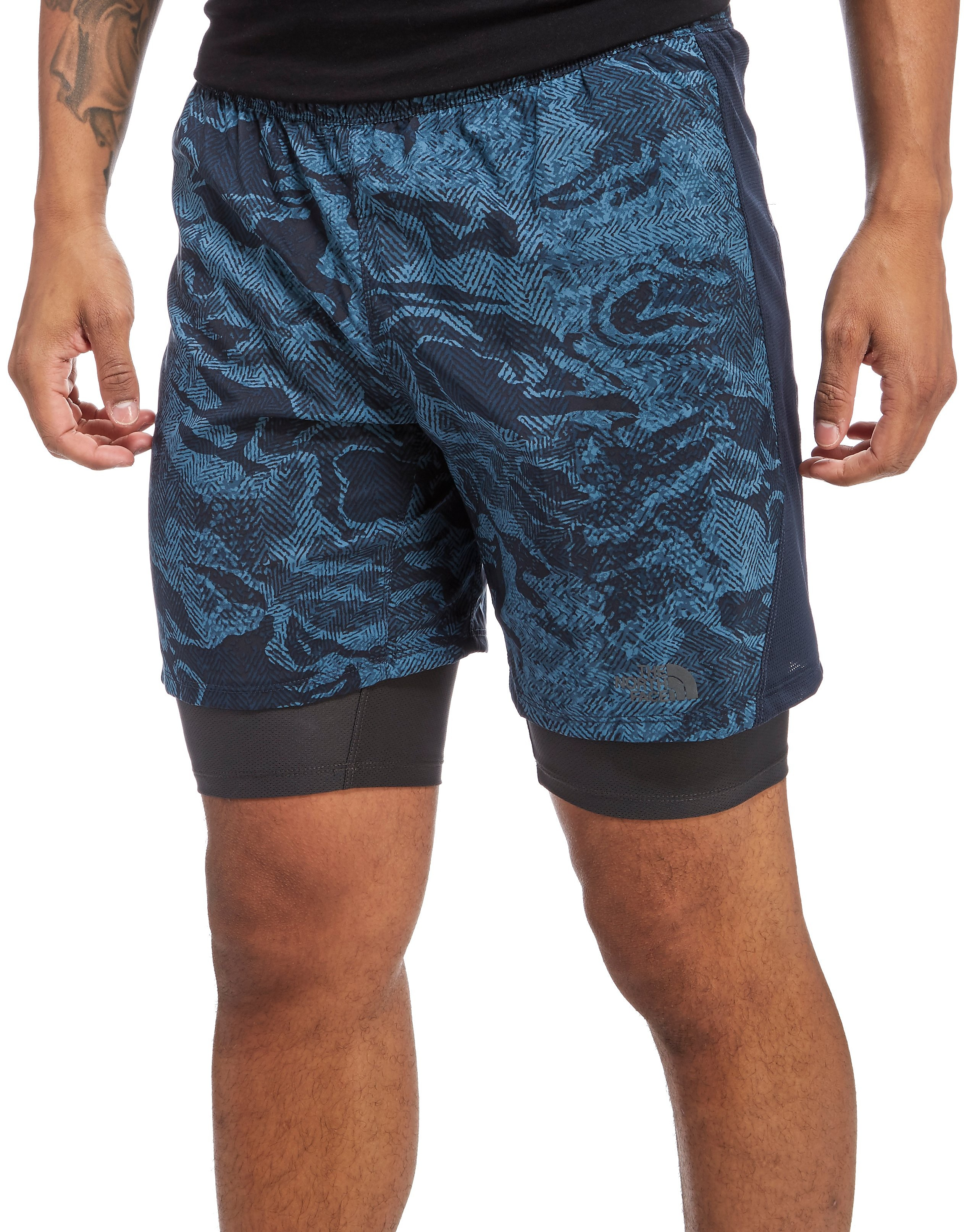 The North Face pantalón corto Mountain Athletics NSR Dual