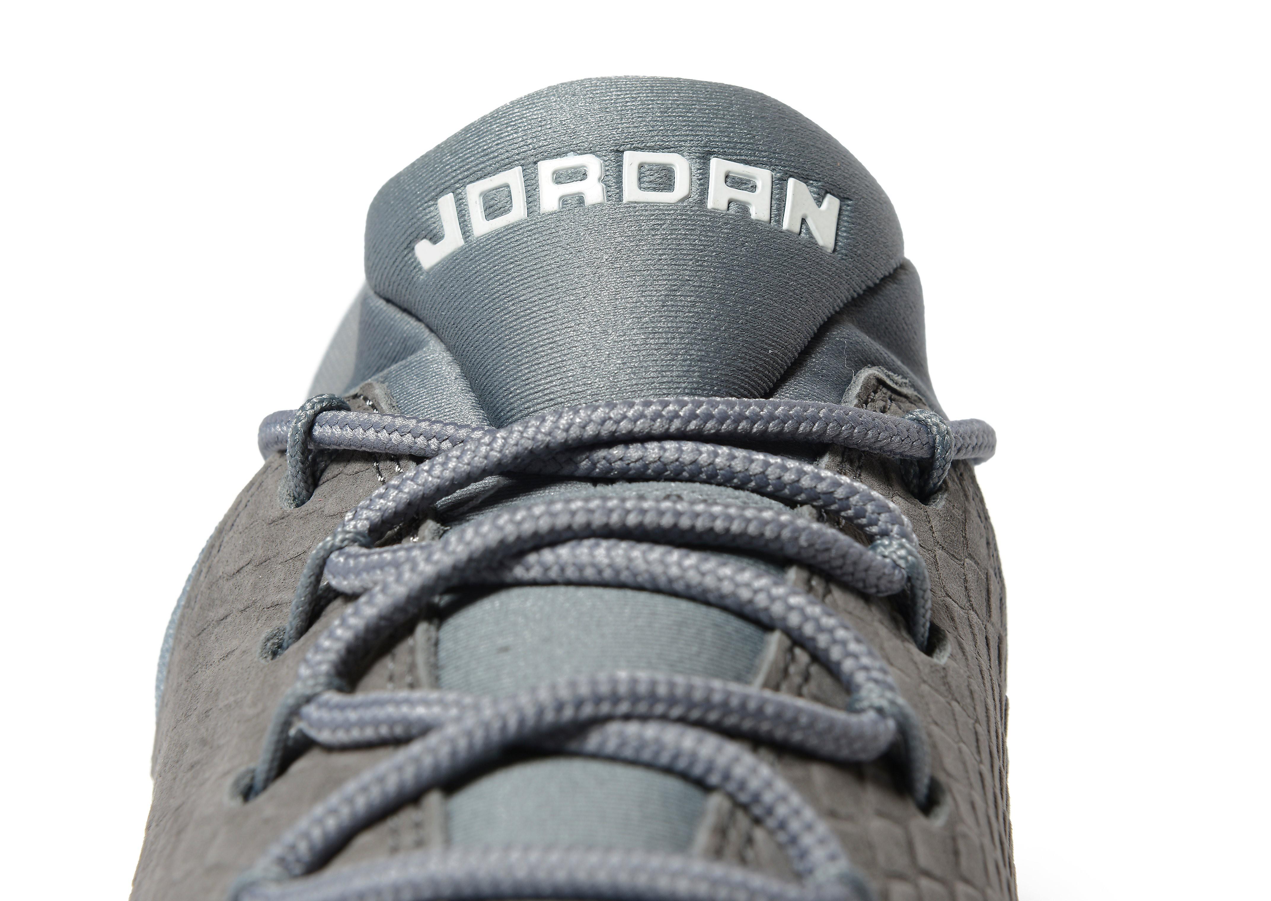Jordan J23