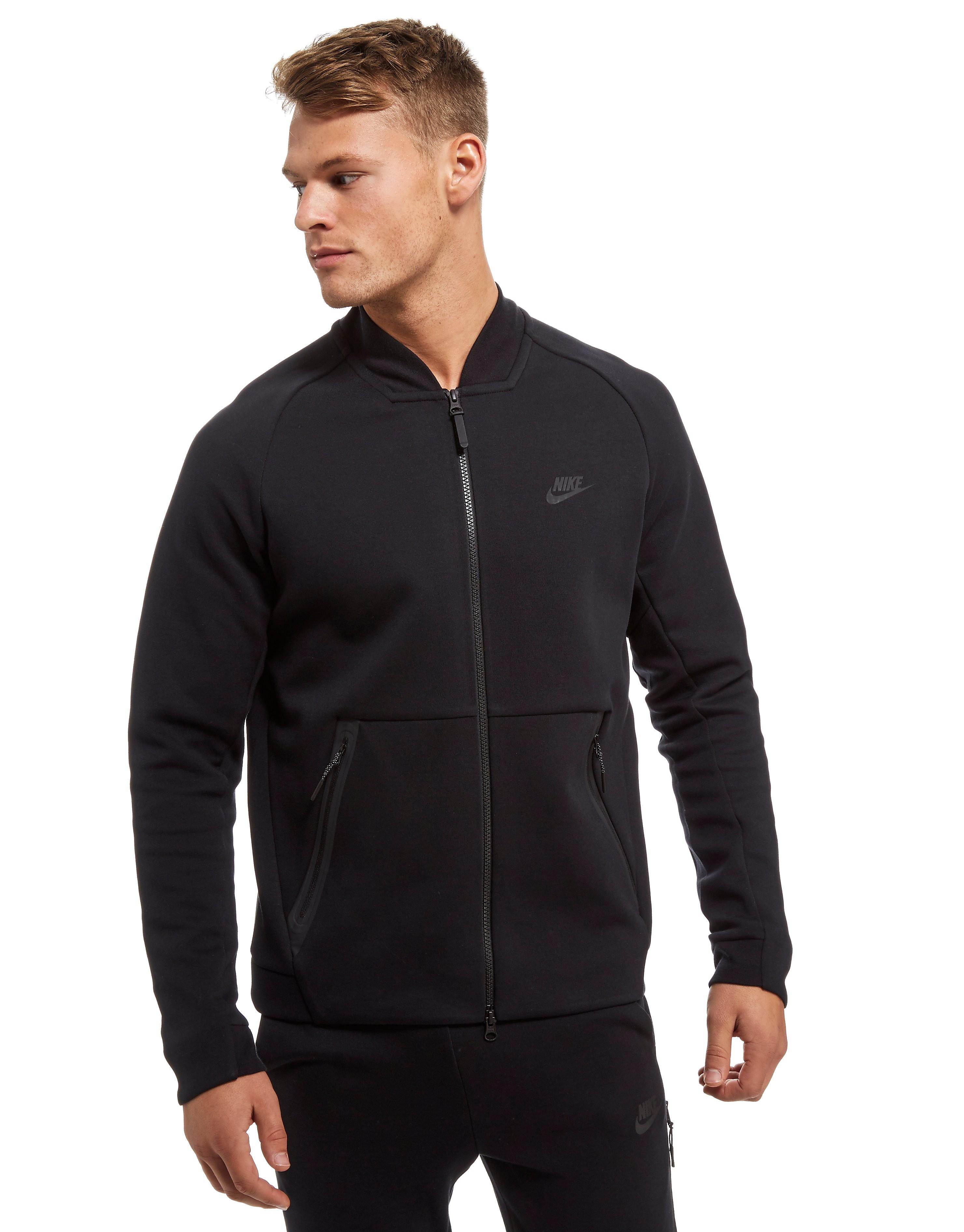 Nike Tech Varsity Jacke