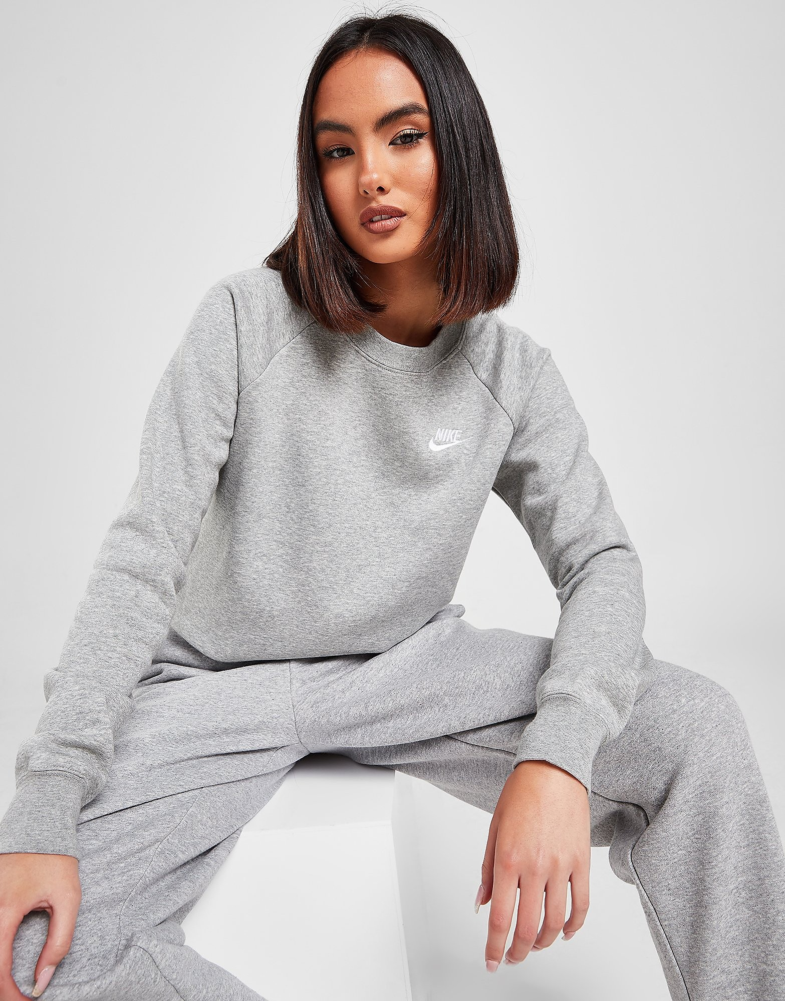 Nike Essential Crew Sweatshirt, Grå