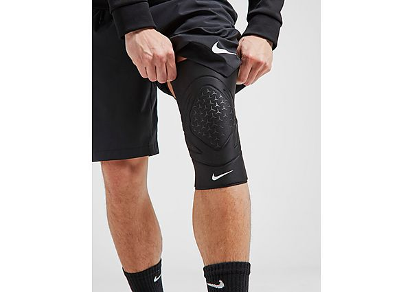 Nike Pro Closed Knee Protector