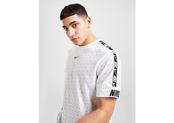 Nike camiseta Repeat All Over Print Tape