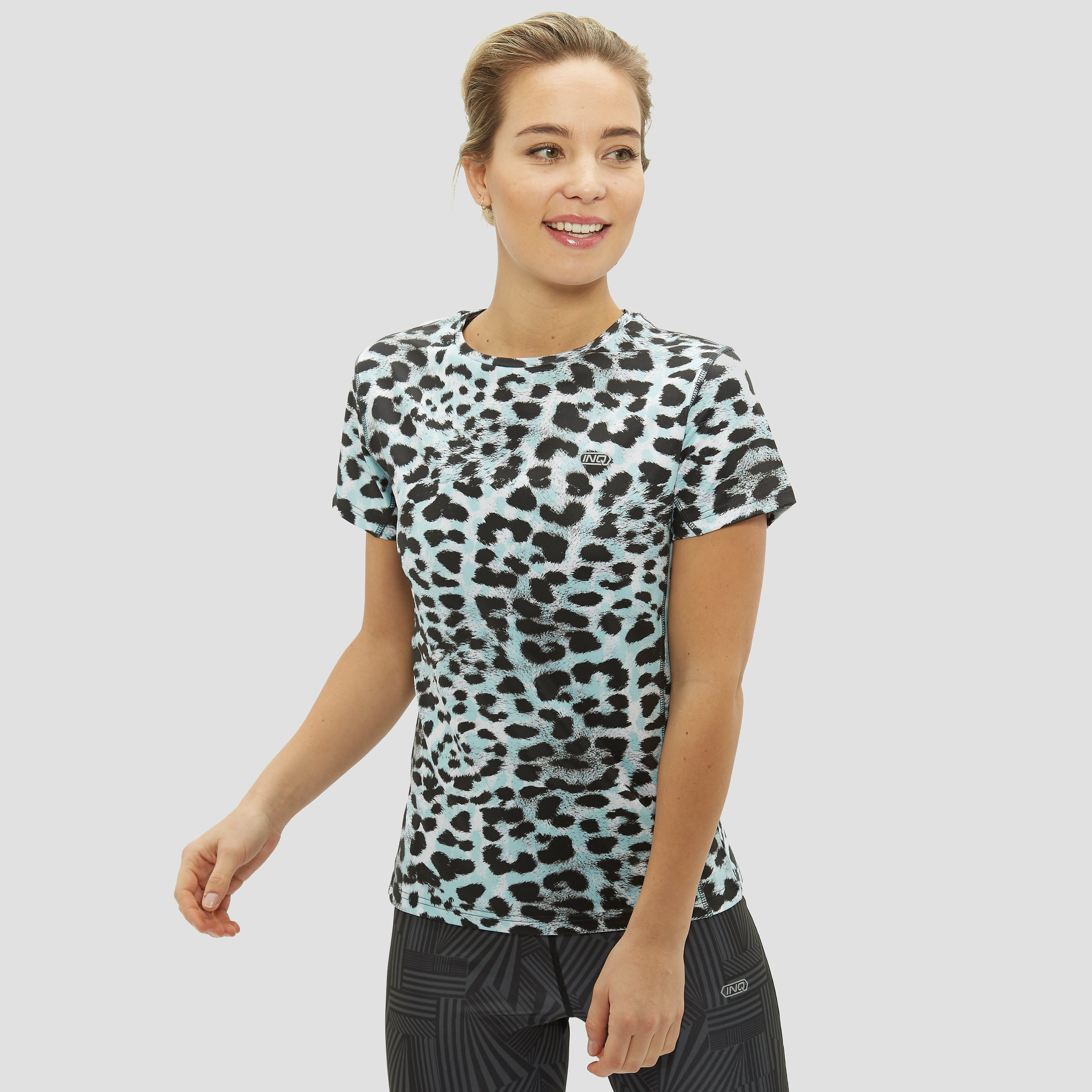 INQ SONNET PRINTED CROPPED HARDLOOPSHIRT BLAUW DAMES