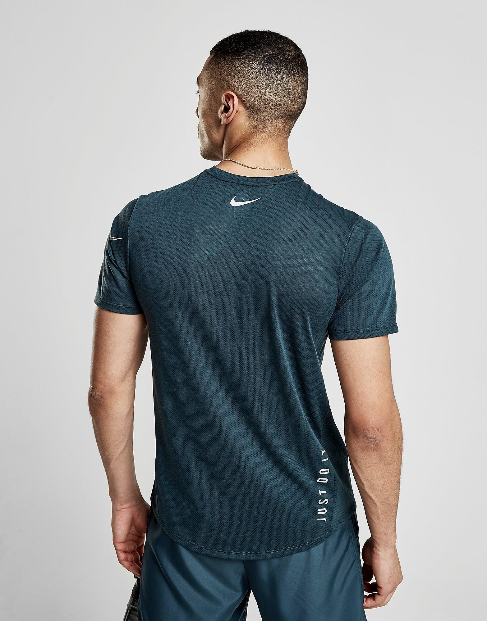 Nike Rise Short Sleeve T-Shirt