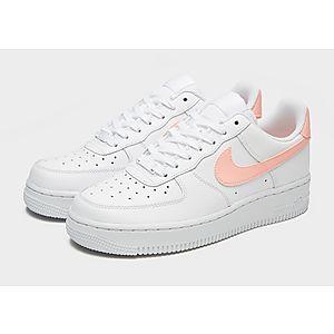 fd3aa7e6ed1 ... Nike Air Force 1  07 LV8 para mujer