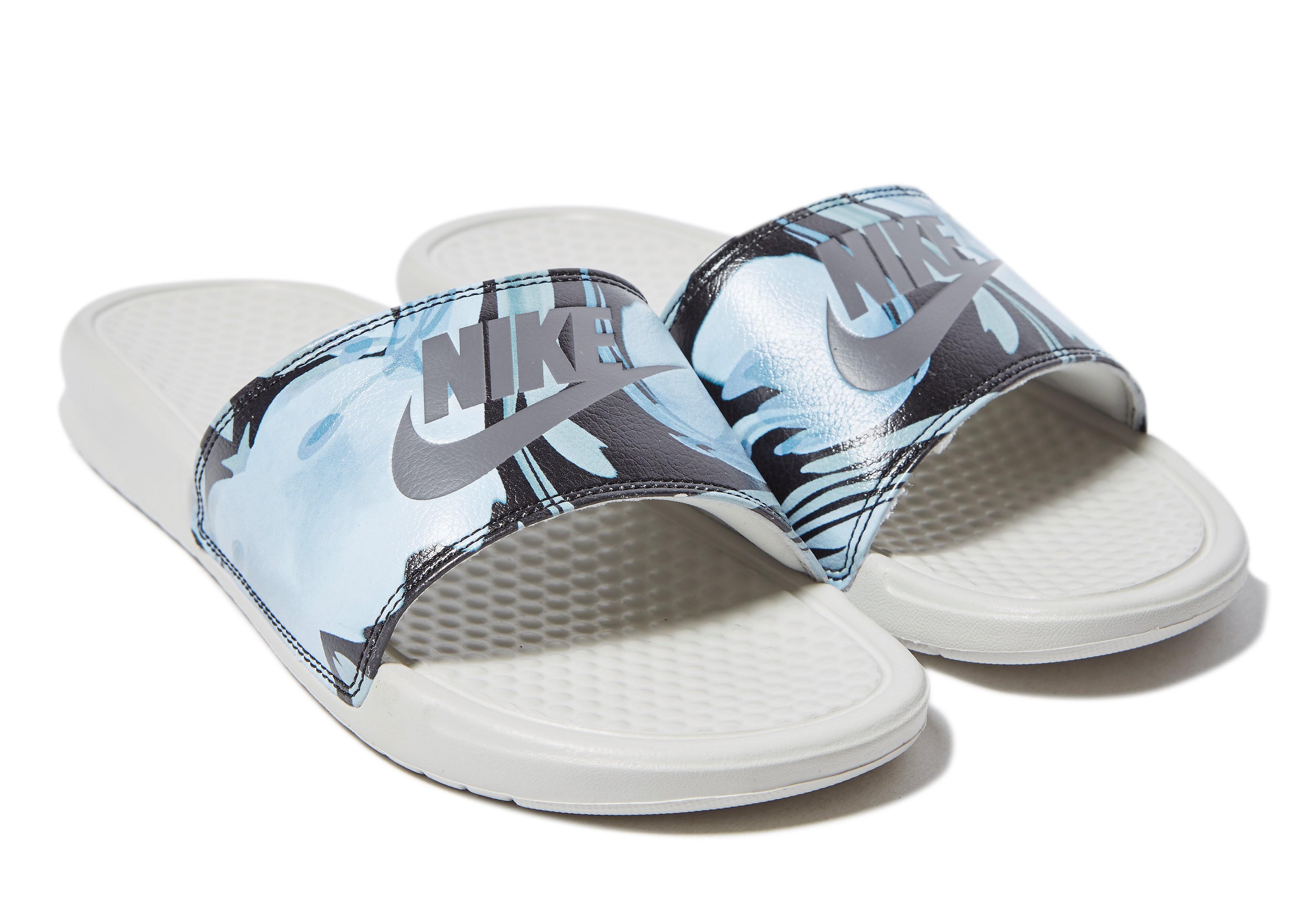 Nike Claquettes Benassi Just Do It Femme