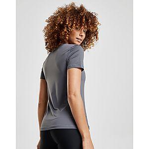 Sports Jd Vêtements Femme Nike Soldes w8gvxIqnA aa649a65dcc