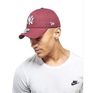 ... New Era MLB New York Yankees 9FORTY Essentials Cap 7ef58898abd