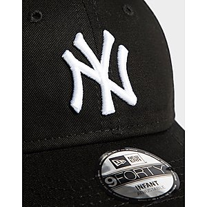 0bde498c10a ... New Era MLB New York Yankees 9FORTY Cap Infant