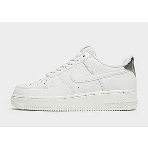 huge discount 7d28b a2599 Nike Air Force 1  07 LV8 Dam ...