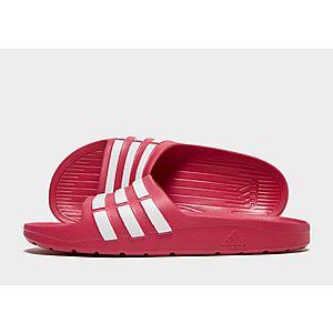 huge selection of f9773 10583 adidas Duramo Slides Junior ...