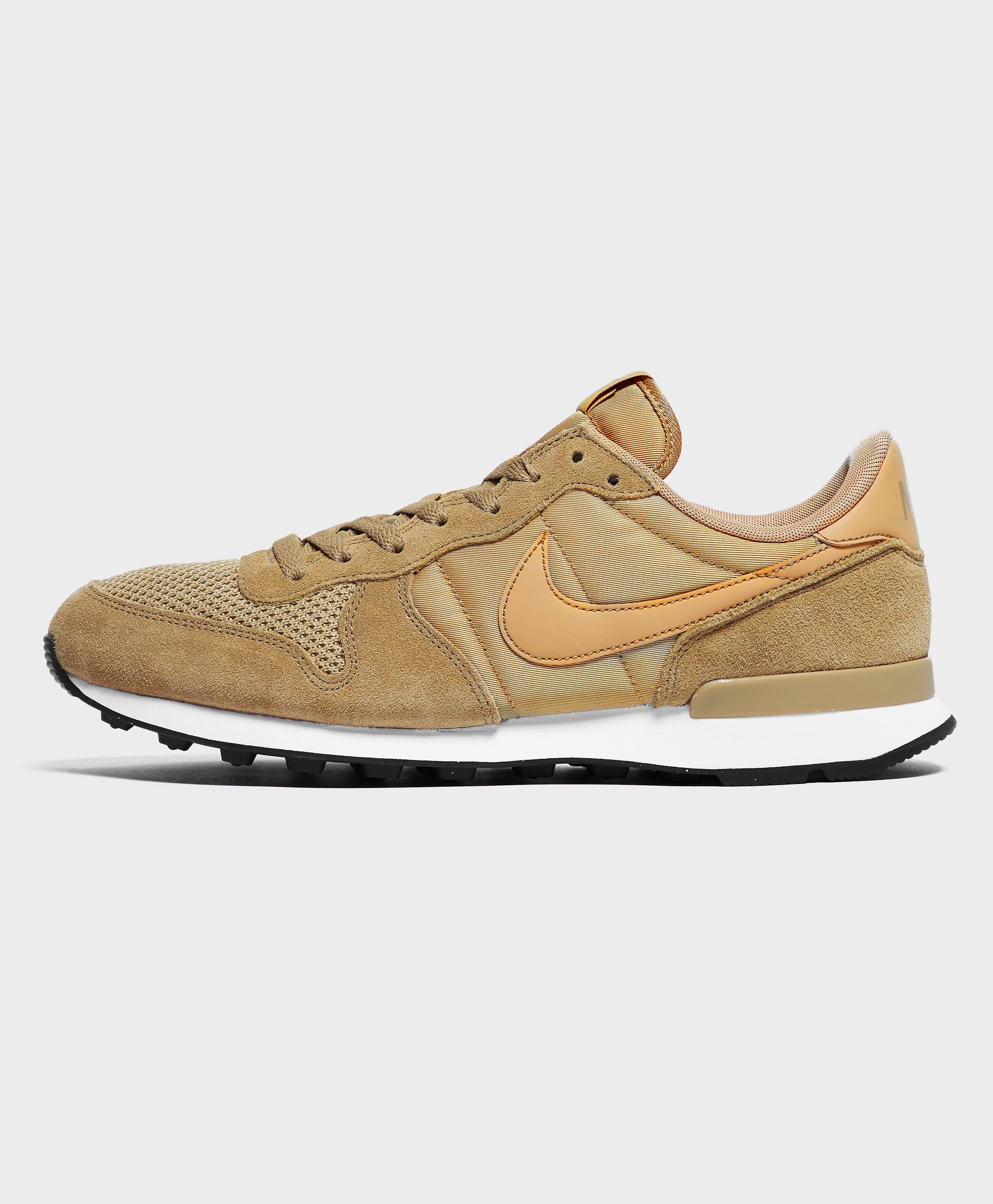 Nike Internationalist SE