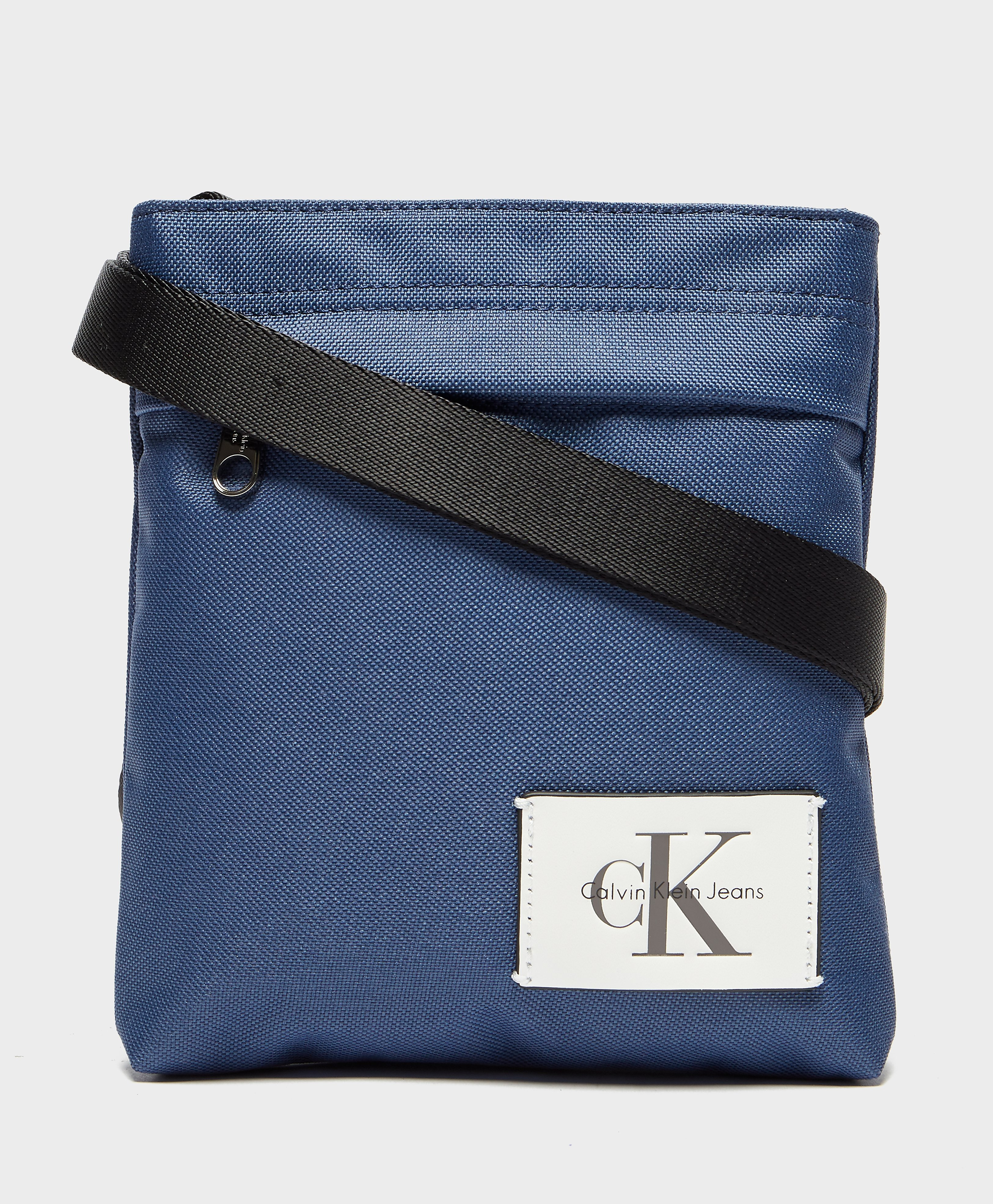 Calvin Klein Essential Small Grip Bag