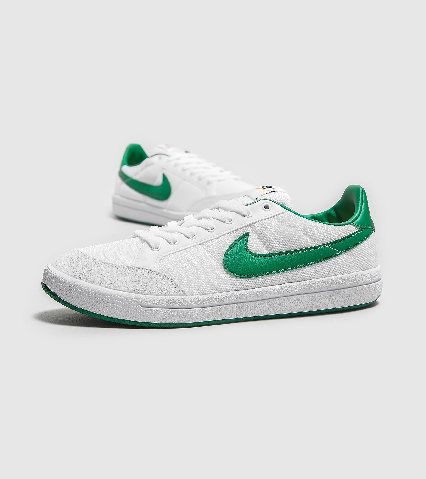 Nike Meadow 16