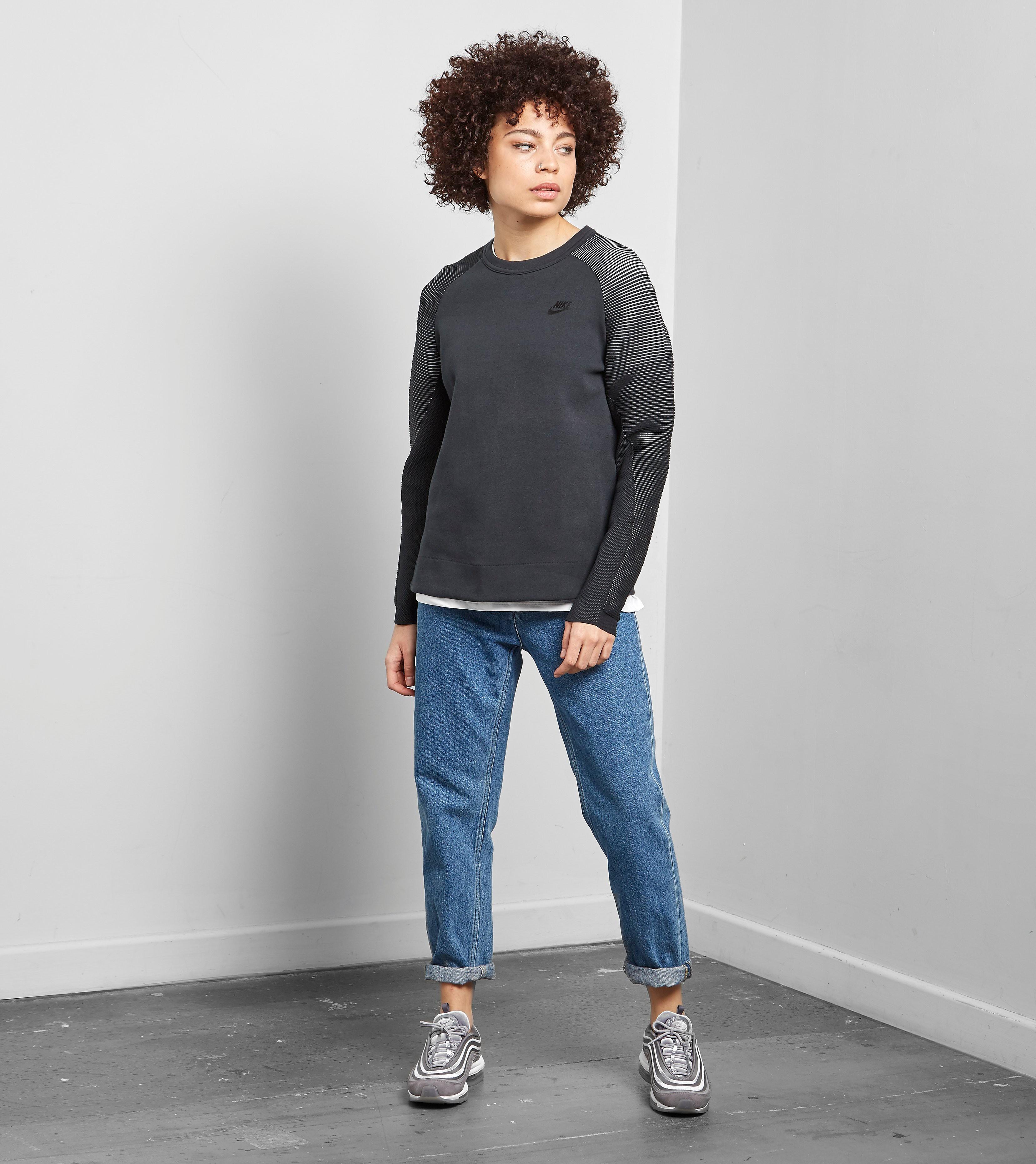 Nike Tech Reveal Crew Sweatshirt