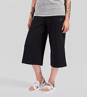 Nike Tech Fleece Capri Shorts