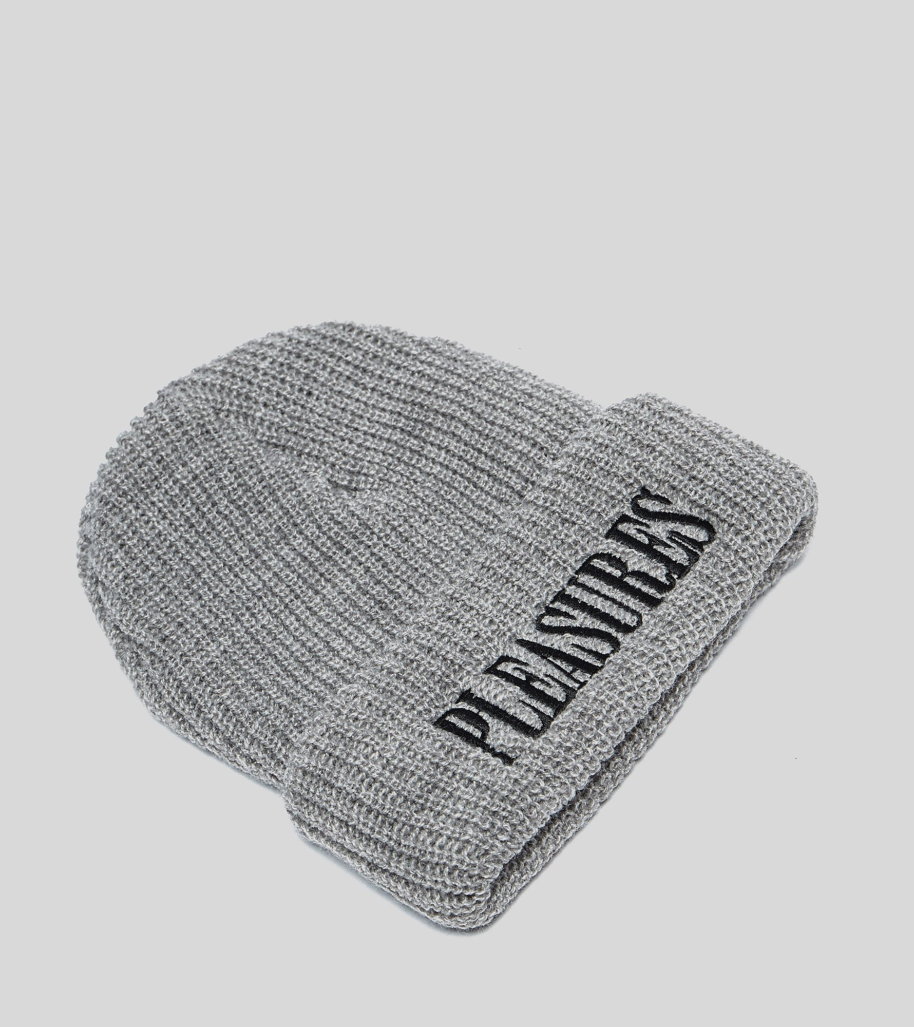 PLEASURES Bonnet Logo