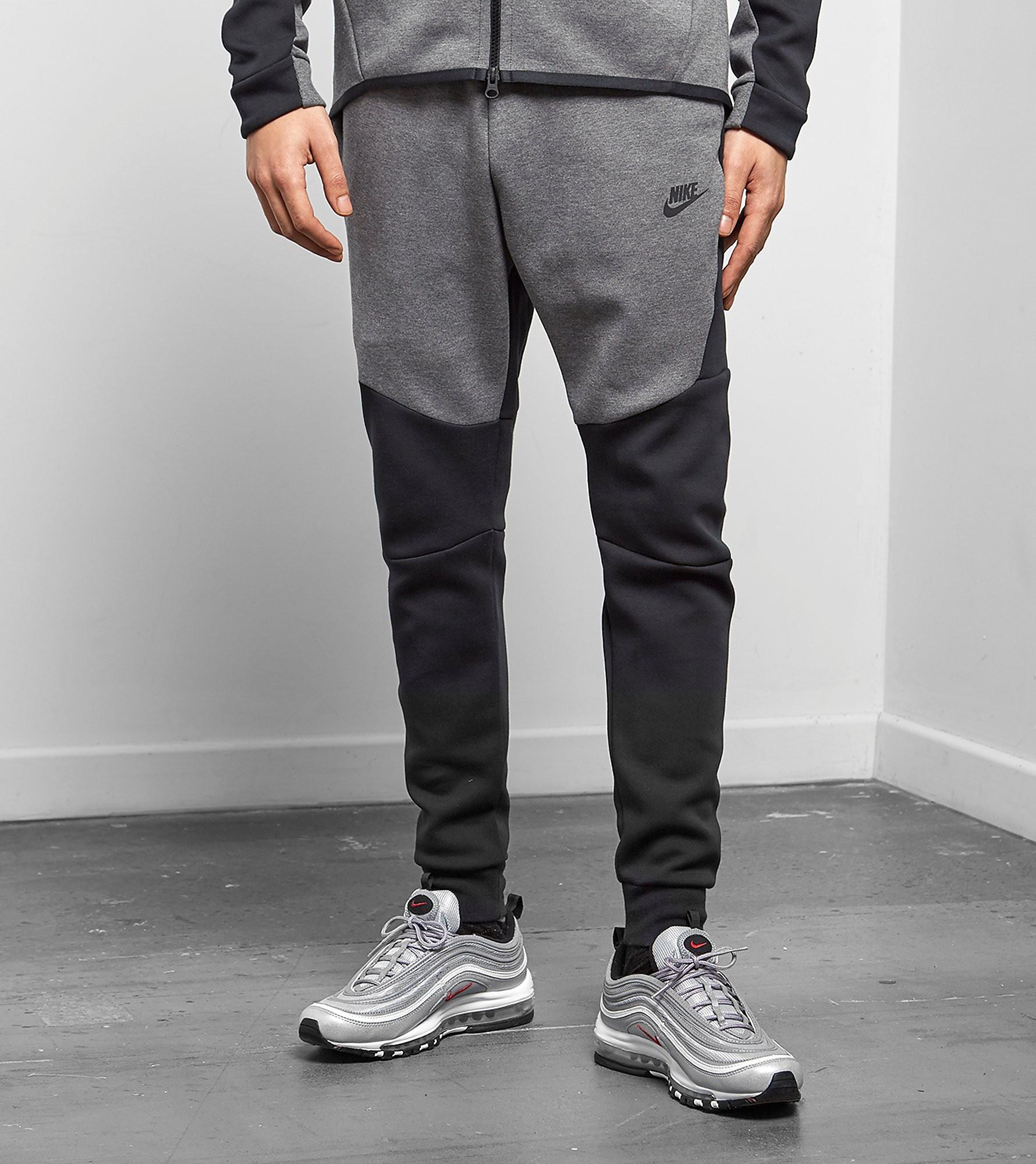 Nike Pantalon de Survêtement Tech Fleece