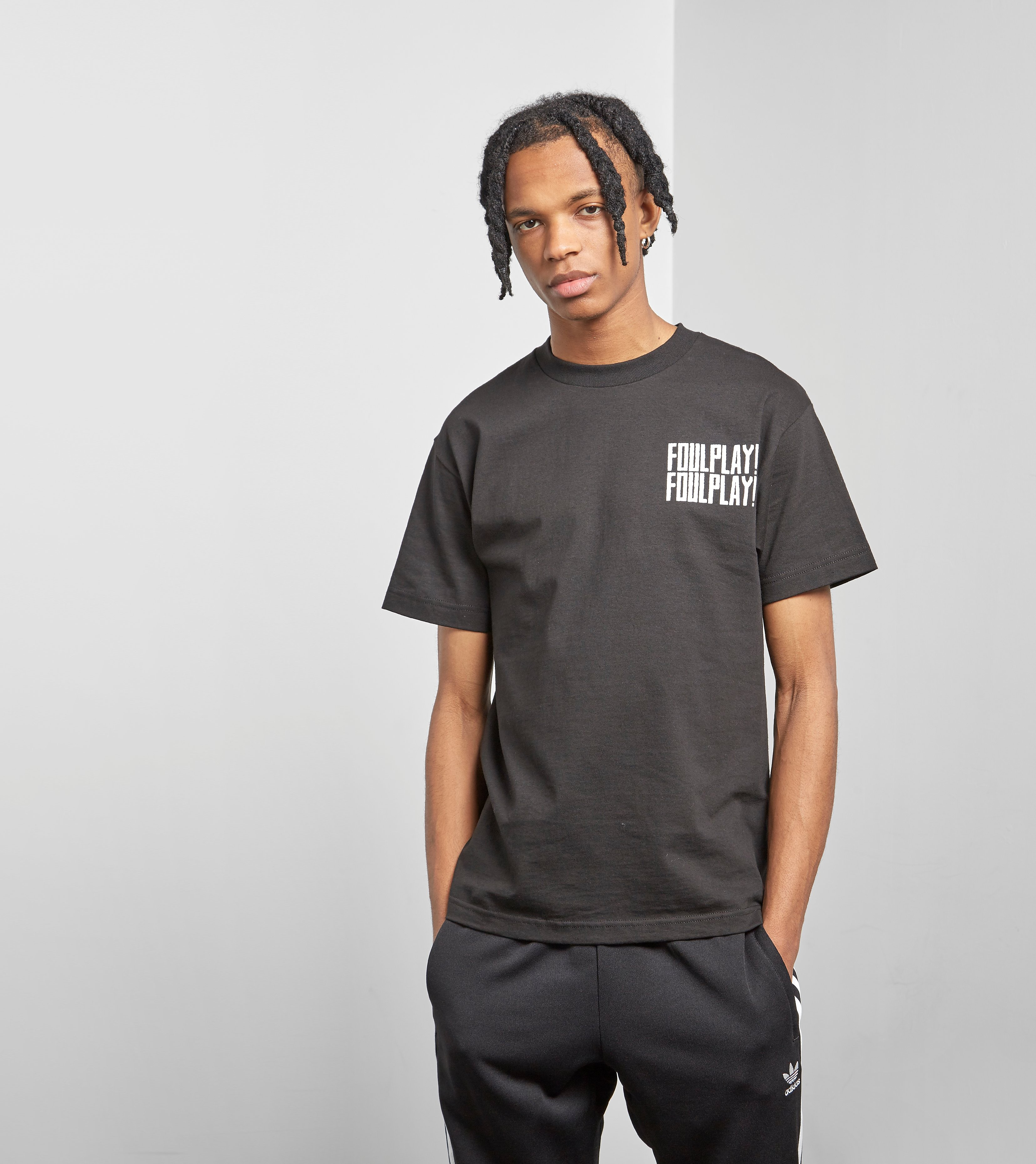 Foulplay Outta Nam T-skjorta